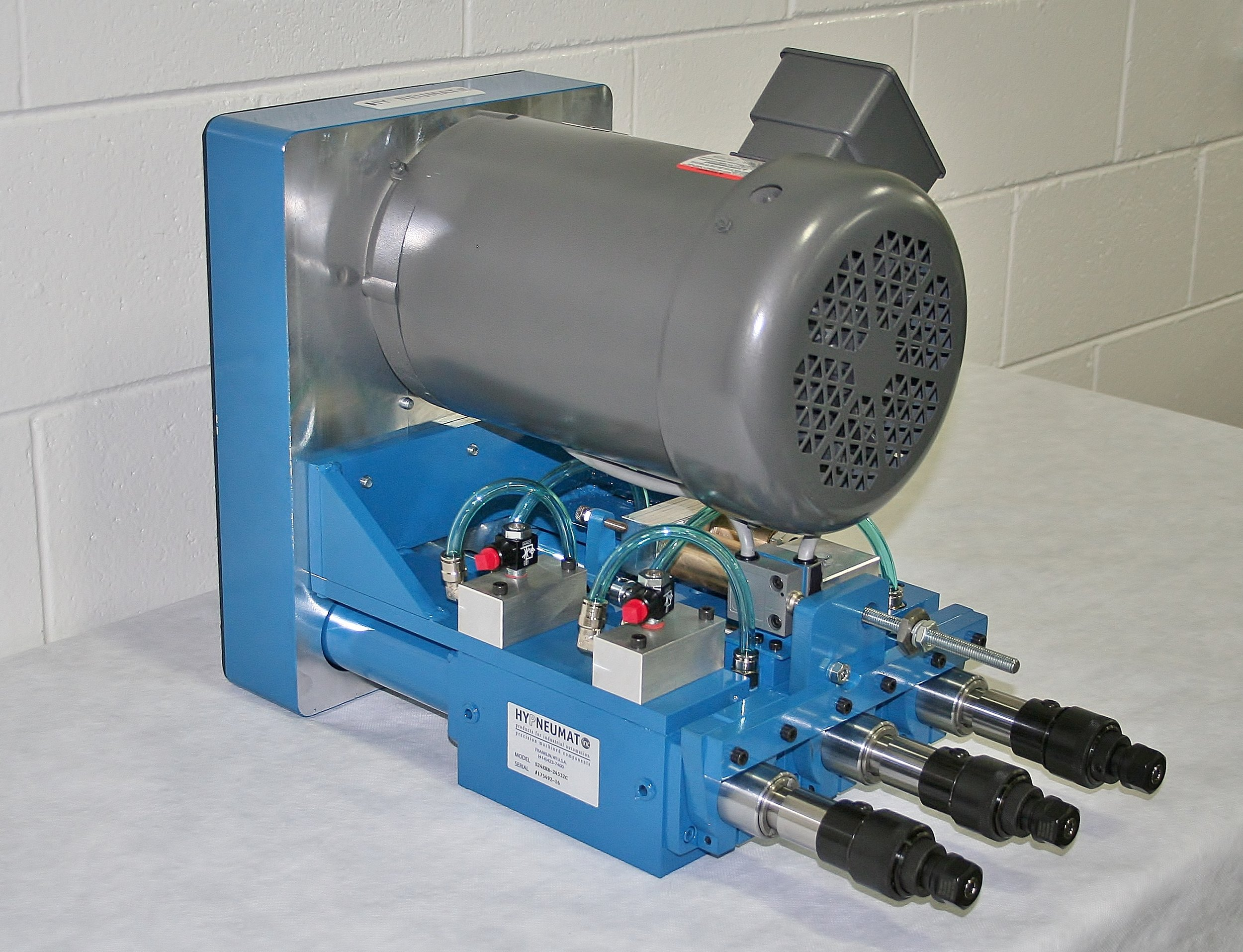 3-Spindle Module with Shared Motor on Close Centers.