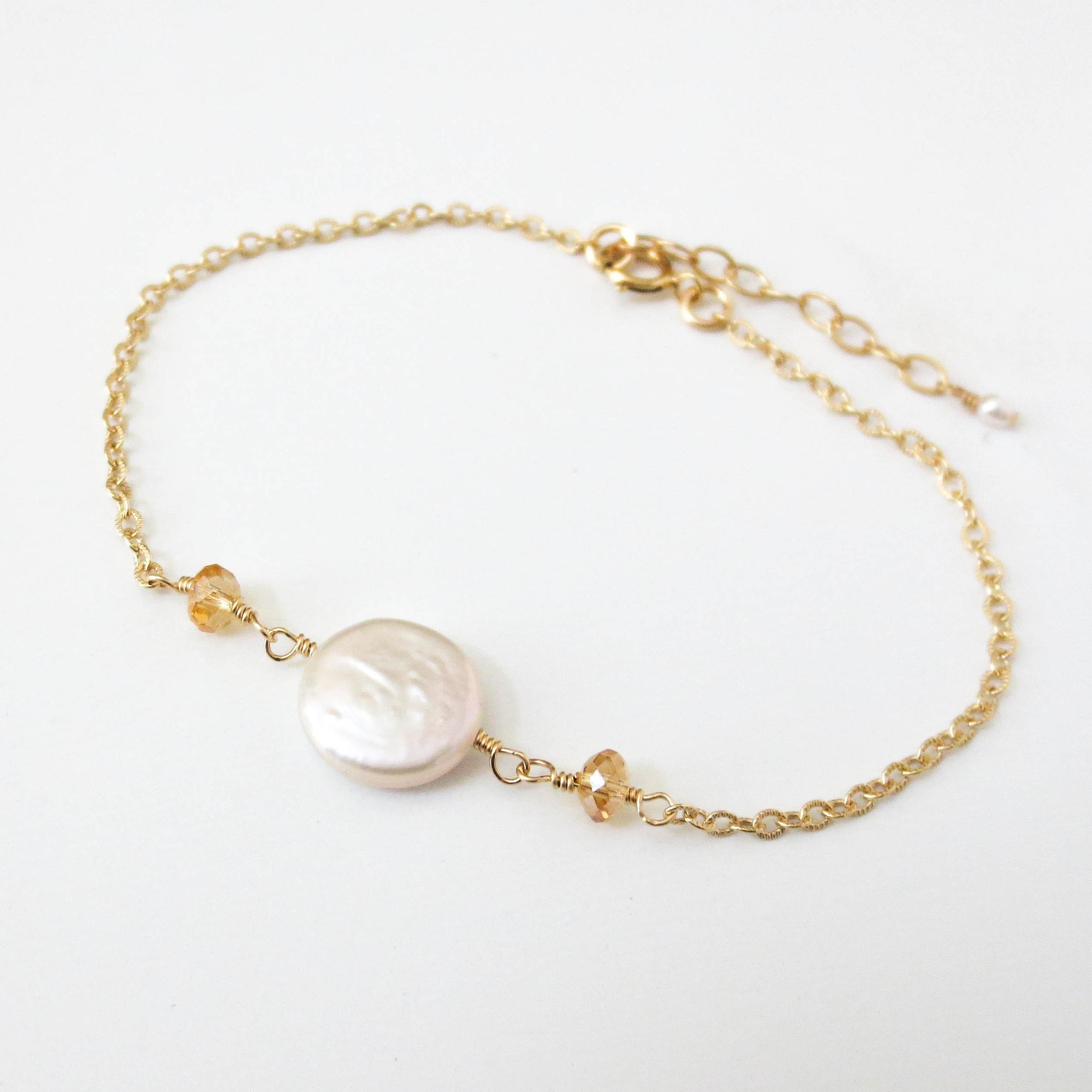 coin-pearl-bracelet1.jpg