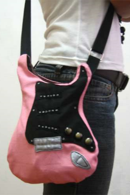Guitar Bag Tutorial @  Bored & Crafty