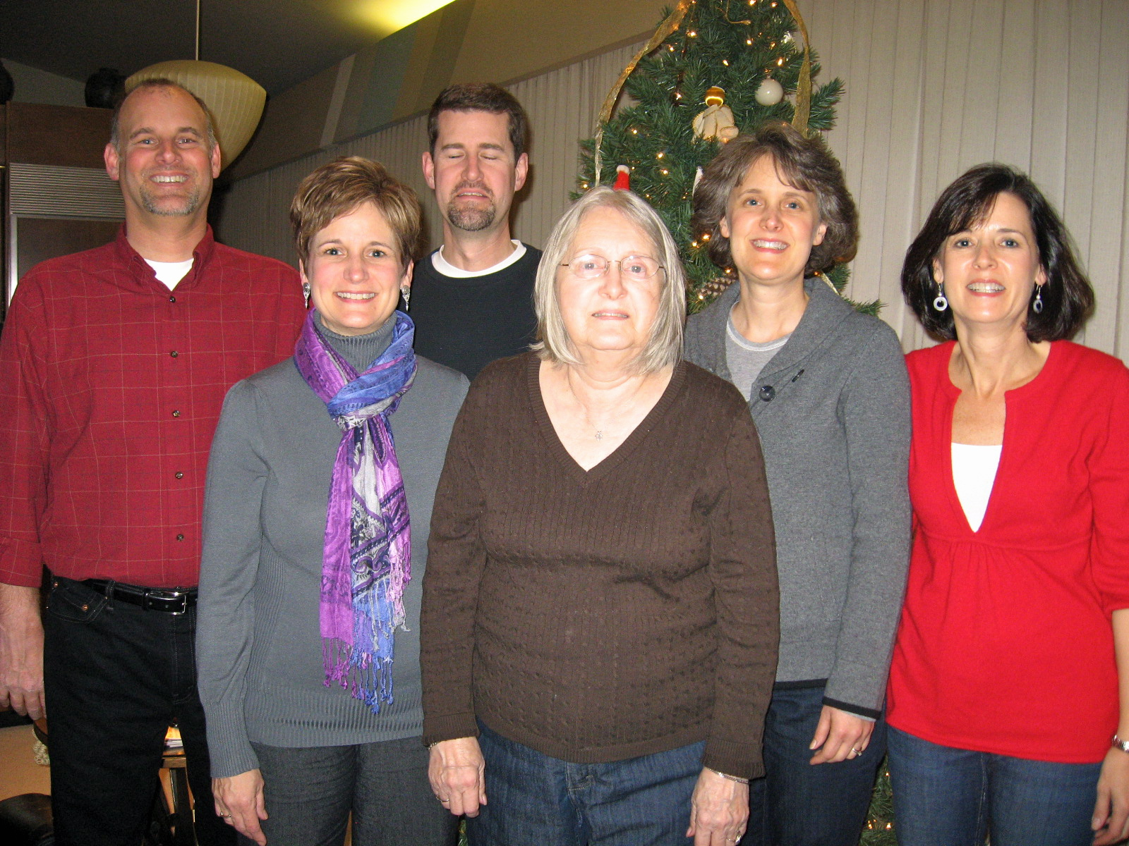 Grandma and her kids at the last Christmas at her house.
