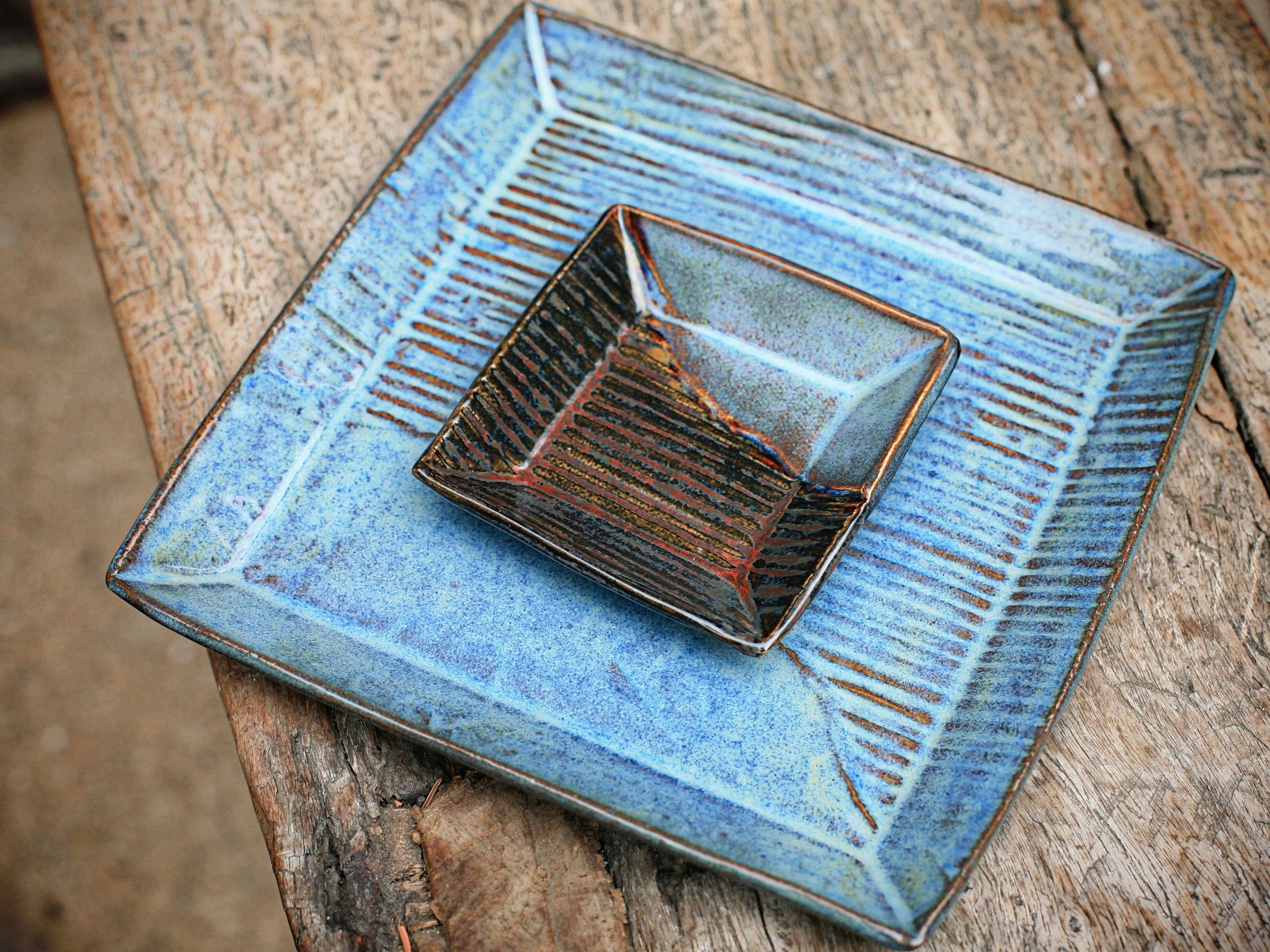 blue plates2.jpg