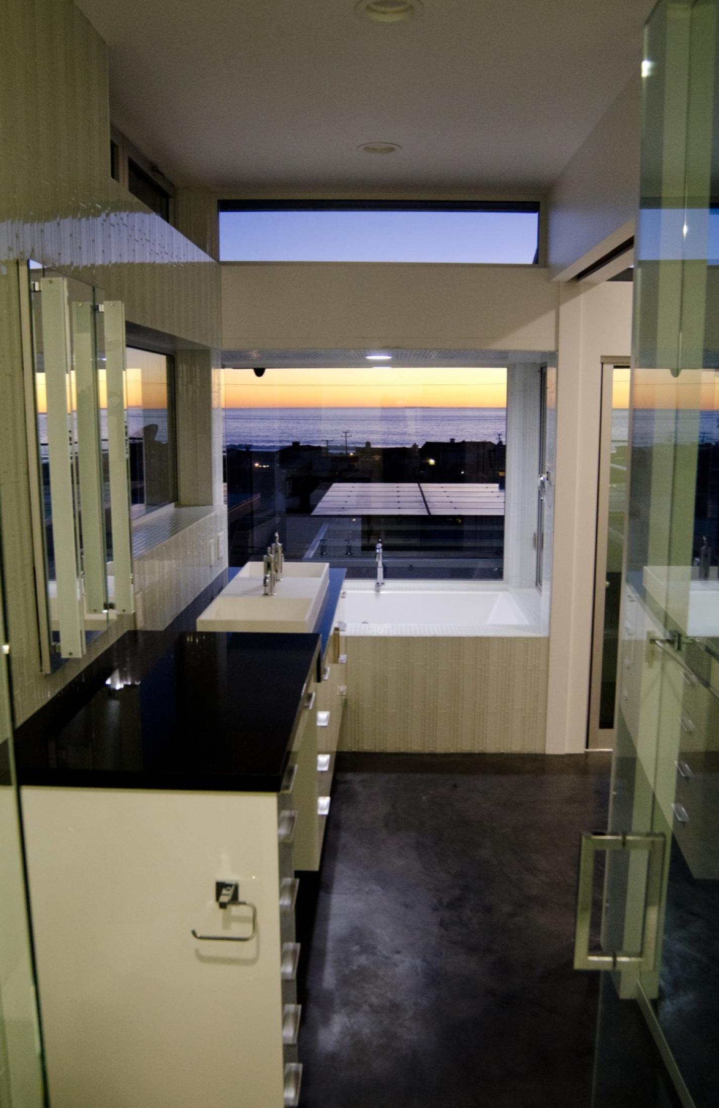 Carson-Leh-Manhattan-bathroom-verticle-Night.jpg