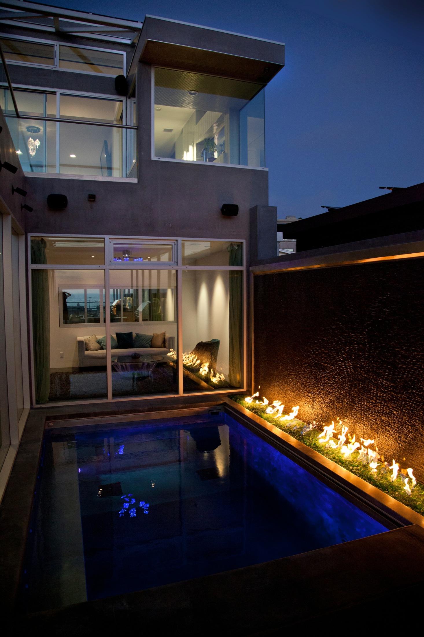 Hermosa_House_photocredit_Carson_Leh.jpg 21.jpg