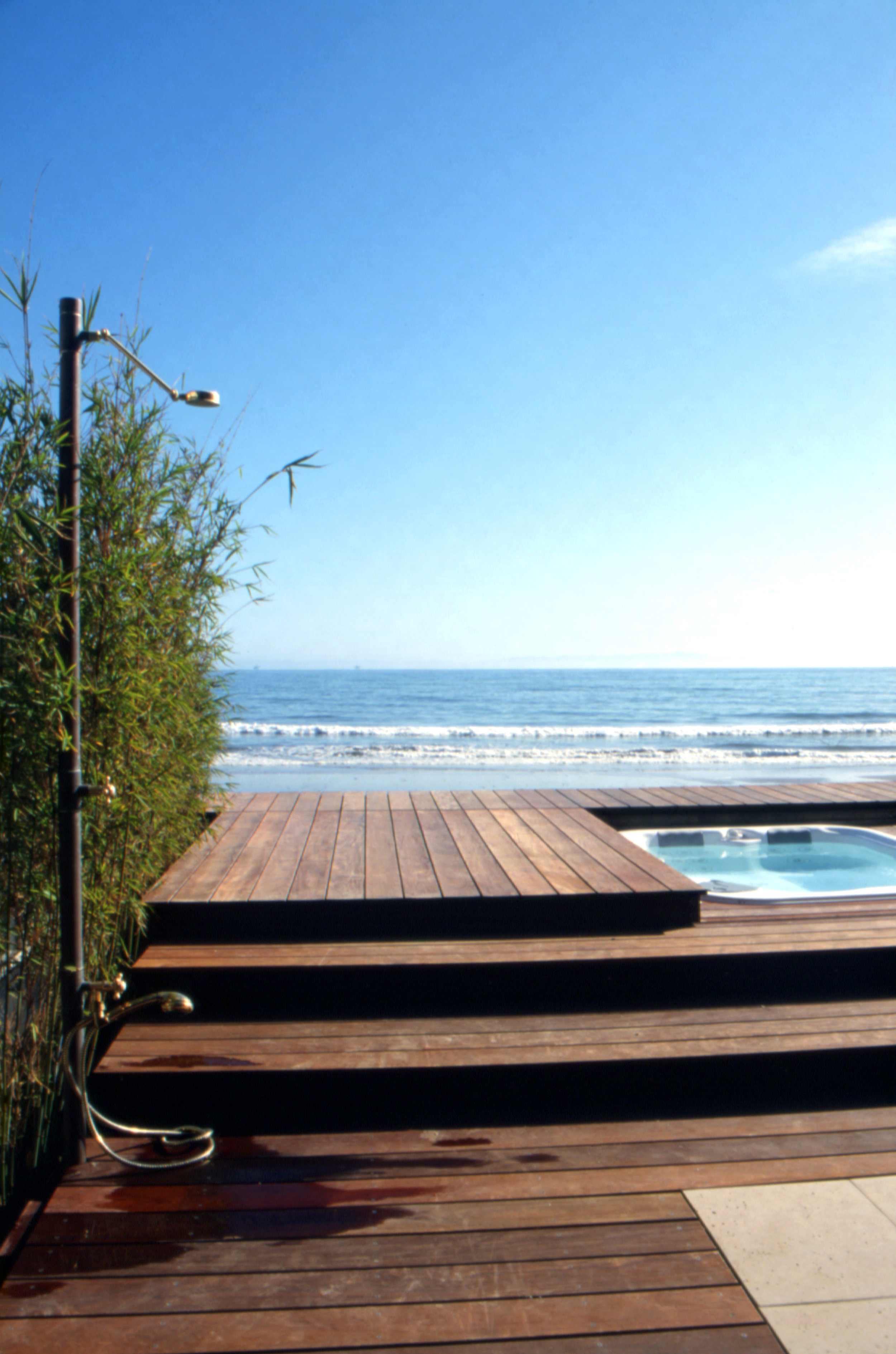 S.E.A.-Studio-Environmental-Architecture-David-Hertz-FAIA-Hall-Dreyfus-Beach-House-Montecito-California-sustainable-regenerative-restorative-design-residential-contemporary-modern-ocean-view-concrete-wood-remodel-SoCal-waterfront-scenic-studioea-9.jpg
