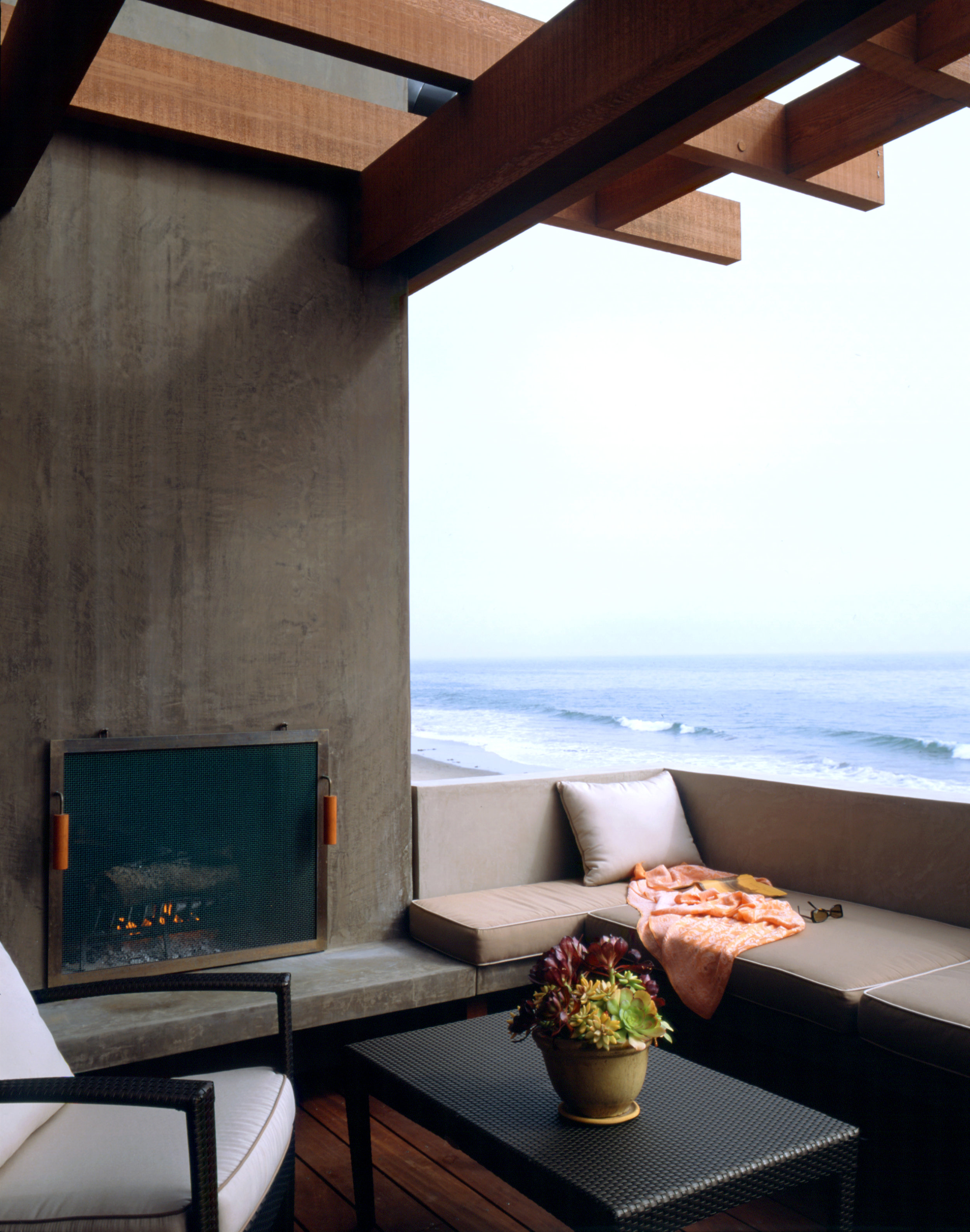 S.E.A.-Studio-Environmental-Architecture-David-Hertz-FAIA-Hall-Dreyfus-Beach-House-Montecito-California-sustainable-regenerative-restorative-design-residential-contemporary-modern-ocean-view-concrete-wood-remodel-SoCal-waterfront-scenic-studioea-10.jpg