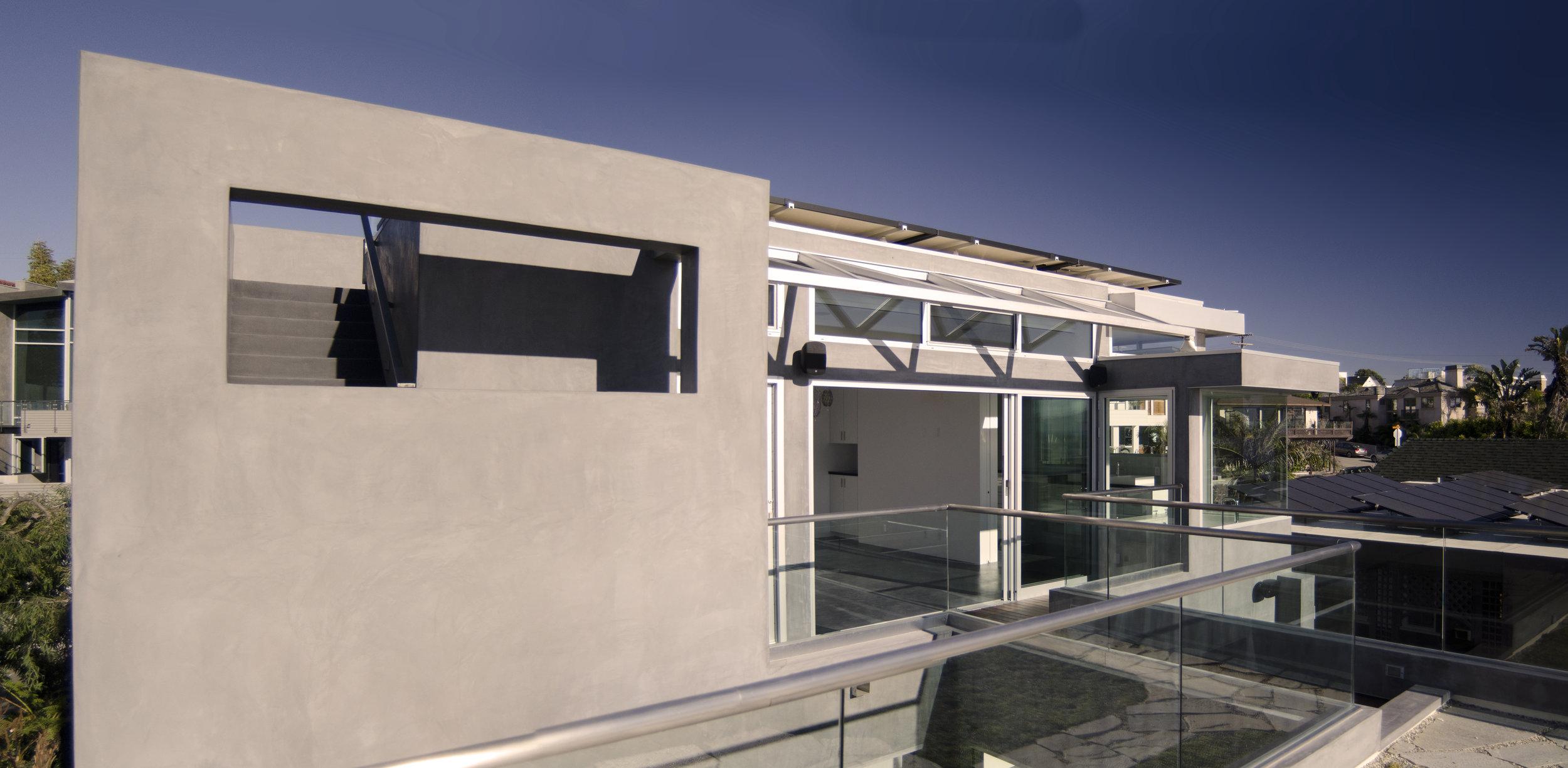 S.E.A.-Studio-Environmental-Architecture-David-Hertz-FAIA-Hermosa-Beach-House-sustainable-regenerative-restorative-design-residential-contemporary-modern-green-roof-ocean-view-pool-tile-South-Bay-living-studioea-1.jpg