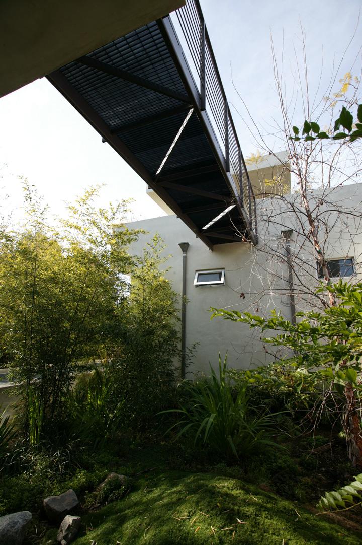 S.E.A.-Studio-Environmental-Architecture-David-Hertz-FAIA-West-Los-Angeles-Mar-Vista-sustainable-regenerative-restorative-design-modern-residential-adaptive-reuse-remodel-mindful-pool-concrete-skylights-passive-systems-natural-ventilation-garden-1.jpg