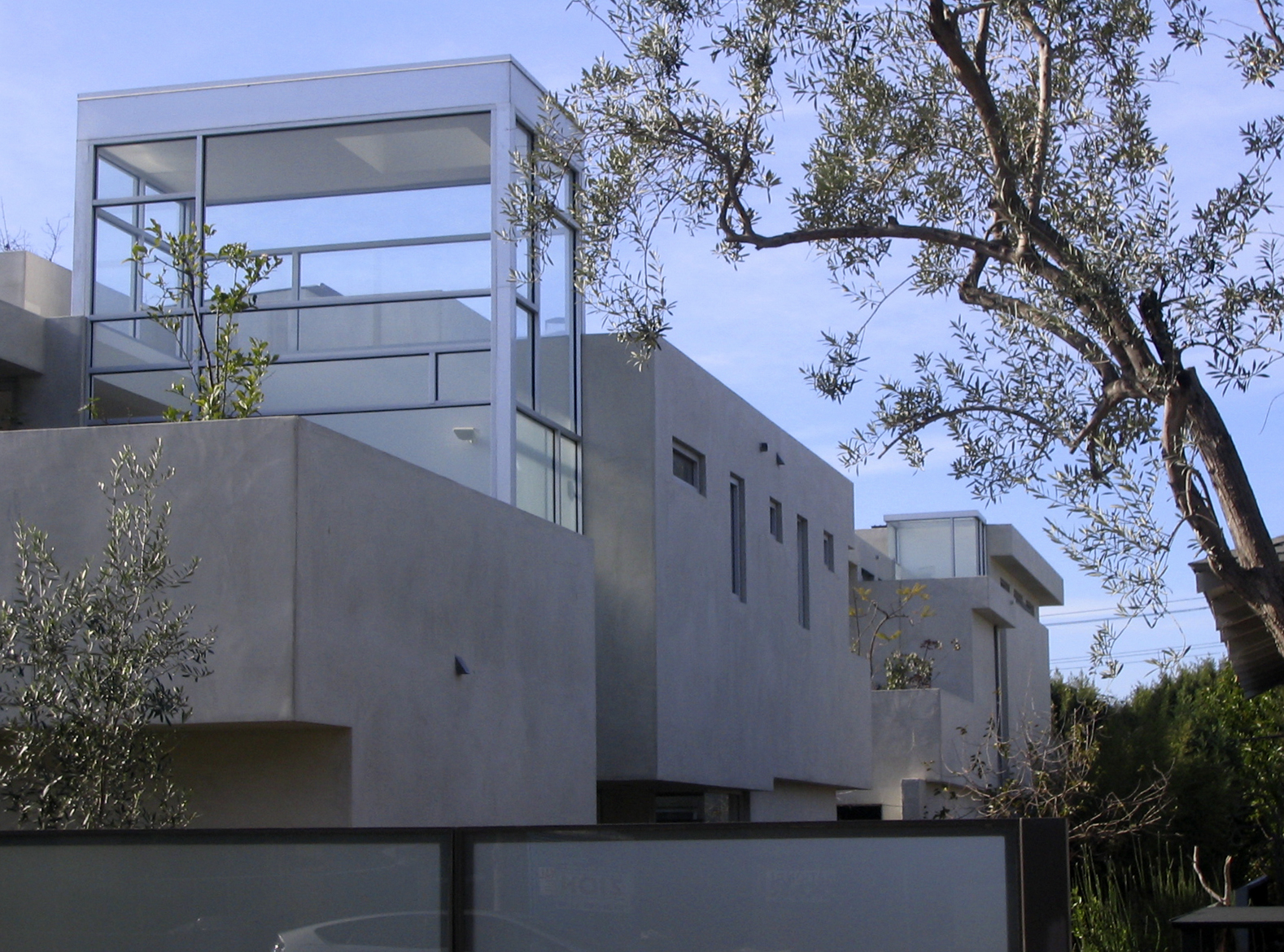 S.E.A.-Studio-Environmental-Architecture-David-Hertz-FAIA-West-Los-Angeles-Mar-Vista-sustainable-regenerative-restorative-design-modern-residential-adaptive-reuse-remodel-mindful-pool-concrete-skylights-passive-systems-natural-ventilation-garden-12.JPG