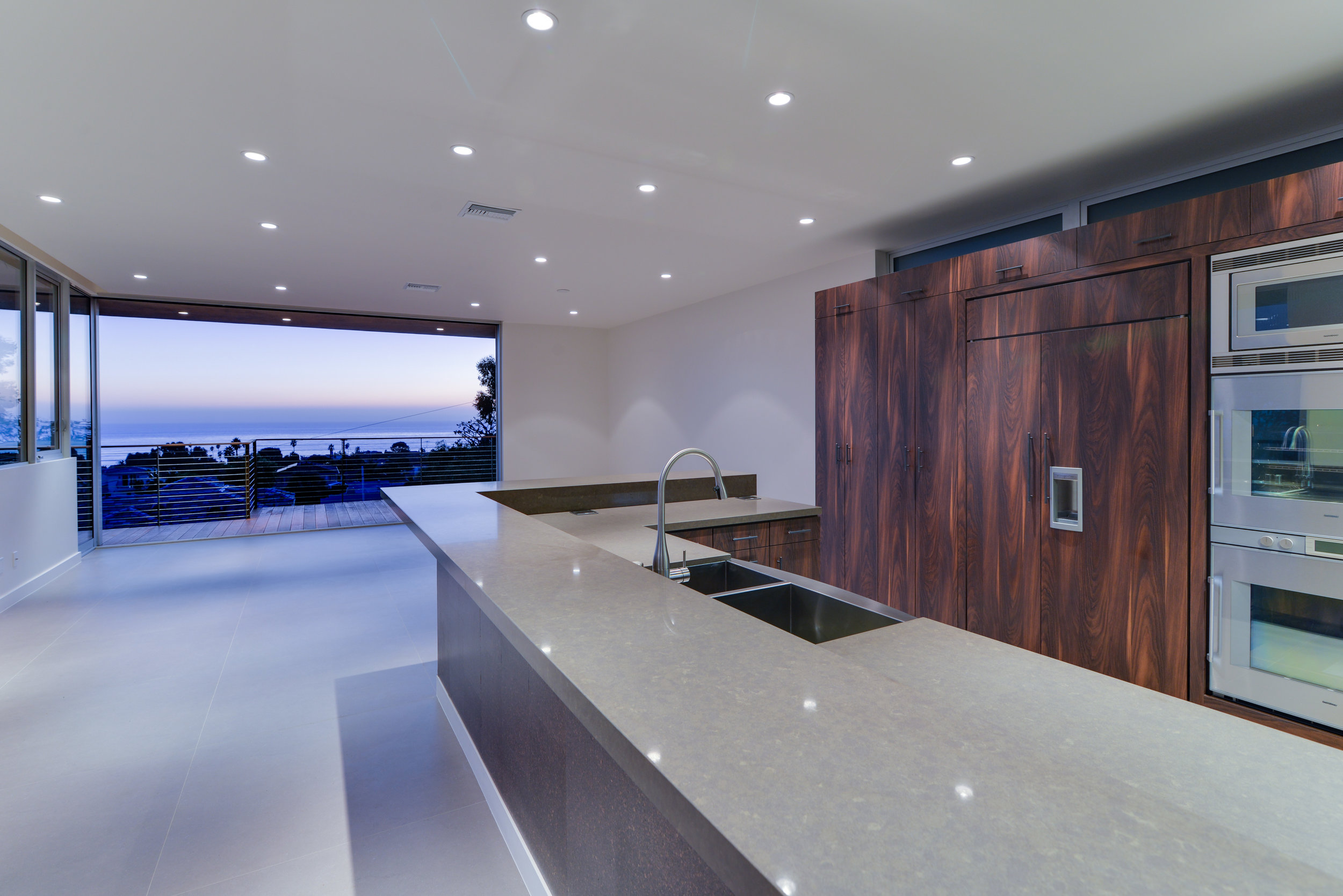 S.E.A.-Studio-Environmental-Architecture-David-Hertz-FAIA-Linda-Rosa-House-La-Jolla-San-Diego-sustainable-regenerative-restorative-design-modern-residential-mindful-garden-panoramic-ocean-view-open-concept-california-dream-16.jpg