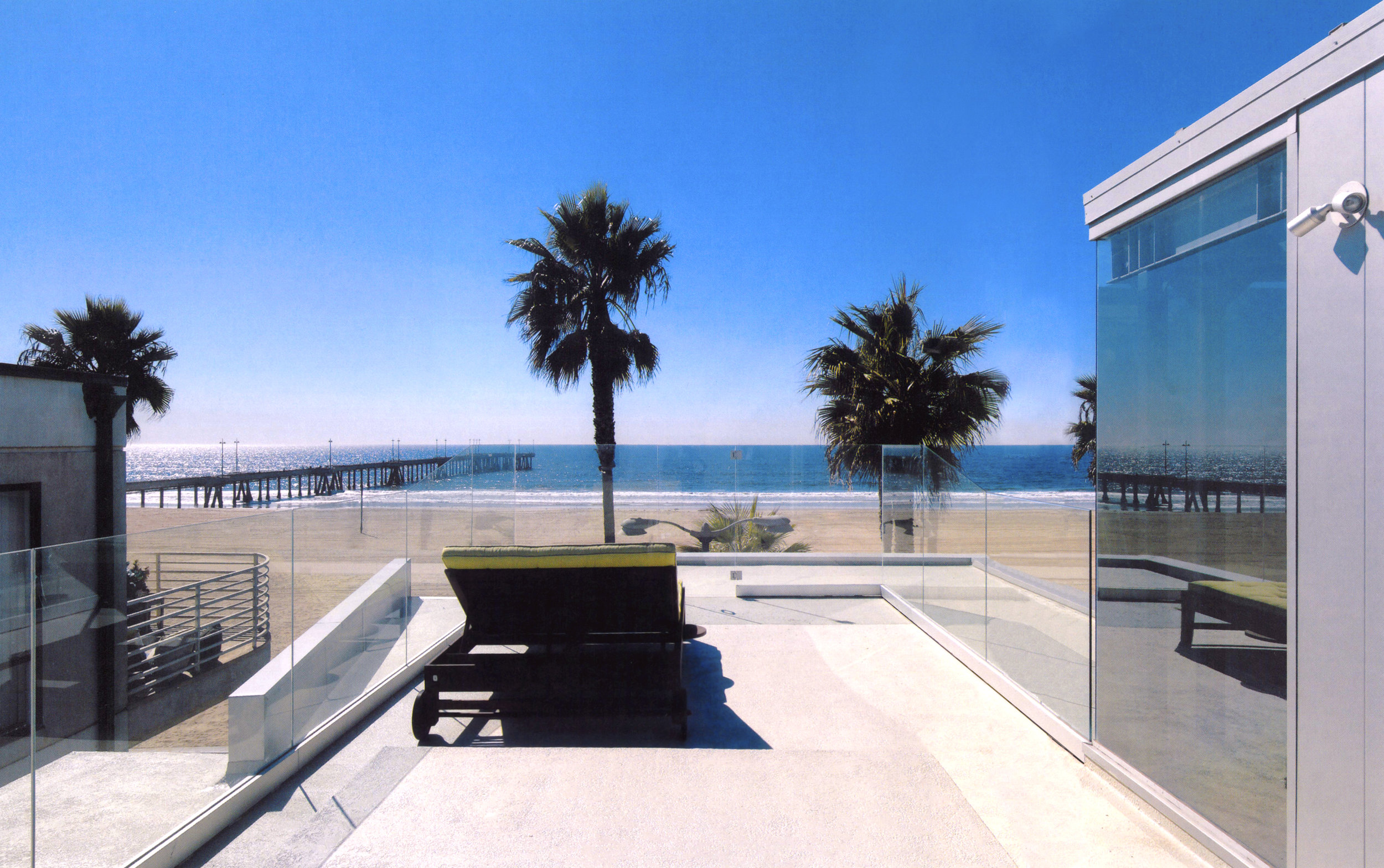 S.E.A.-Studio-Environmental-Architecture-David-Hertz-FAIA-Panel-House-Venice-Beach-California-sustainable-regenerative-restorative-green-design-prefabricated-aluminum-refrigeration-open-concept-ocean-view-residential-glass-steel-sunset-exterior-9.jpg