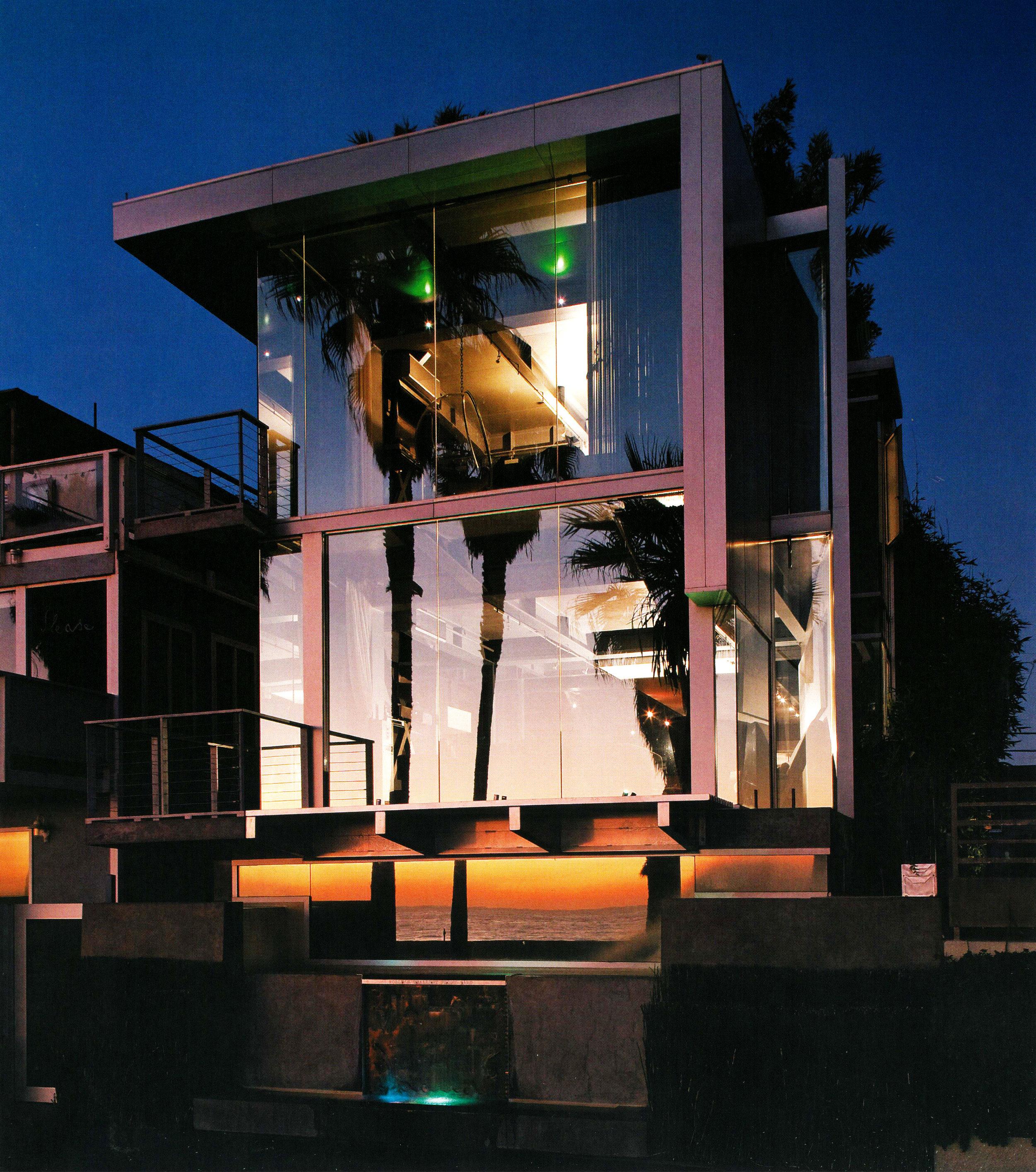 S.E.A.-Studio-Environmental-Architecture-David-Hertz-FAIA-Panel-House-Venice-Beach-California-sustainable-regenerative-restorative-green-design-prefabricated-aluminum-refrigeration-open-concept-ocean-view-residential-glass-steel-sunset-exterior-20.jpg