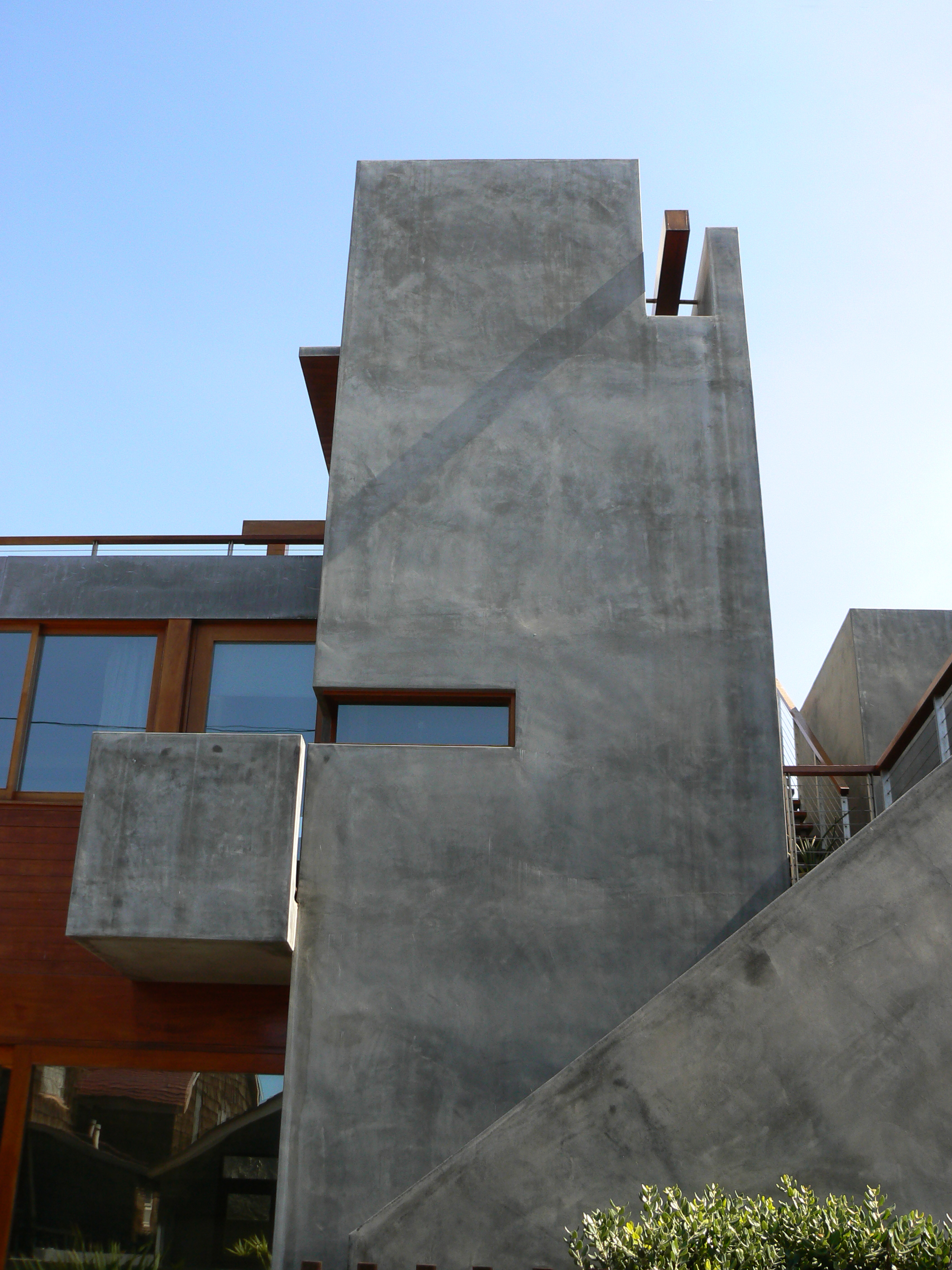 S.E.A.-Studio-Environmental-Architecture-David-Hertz-FAIA-Strand-House-Hermosa-Beach-sustainable-regenerative-restorative-design-residential-contemporary-modern-passive-systems-recycled-wood-concrete-green-building-South-Bay-ocean-view-studioea-18.jpg