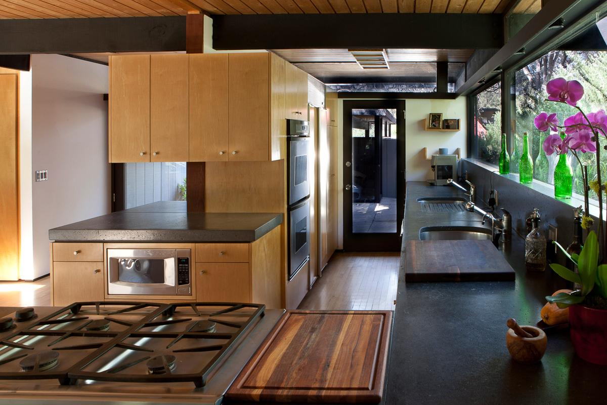 S.E.A.-Studio-Environmental-Architecture-David-Hertz-FAIA-Doug-Rucker-Cold-Creek-Malibu-historic-preservation-sustainable-regenerative-restorative-design-remodel-midcentury-modern-post-beam-residential-contemporary-addition-Santa-Monica-mountains-7.jpg