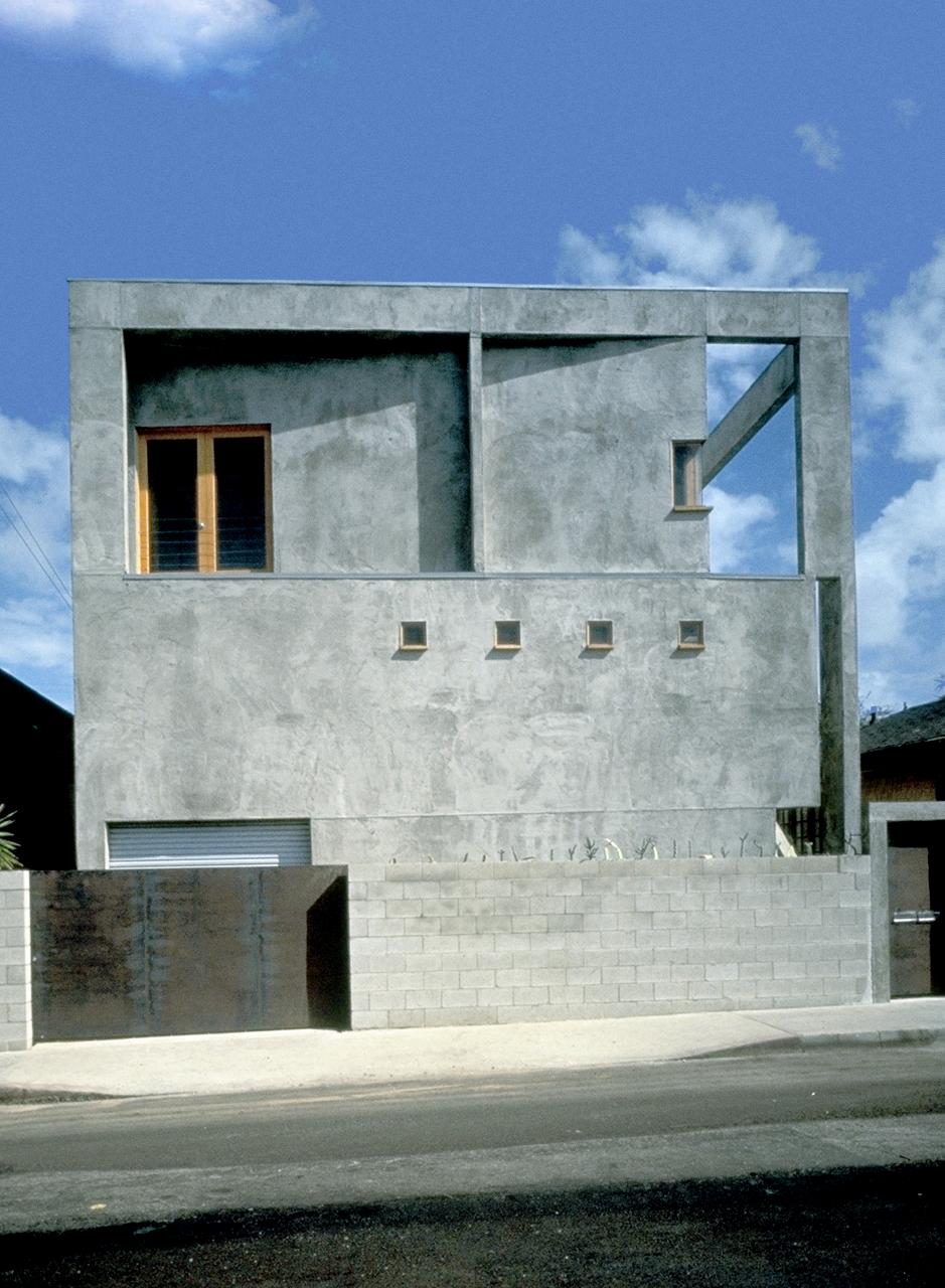 S.E.A.-Studio-Environmental-Architecture-David-Hertz-FAIA-Venable-House-Venice-Beach-sustainable-regenerative-restorative-design-residential-contemporary-modern-passive-systems-recycled-wood-concrete-green-building-canal-beachhouse-studioea-6.jpg