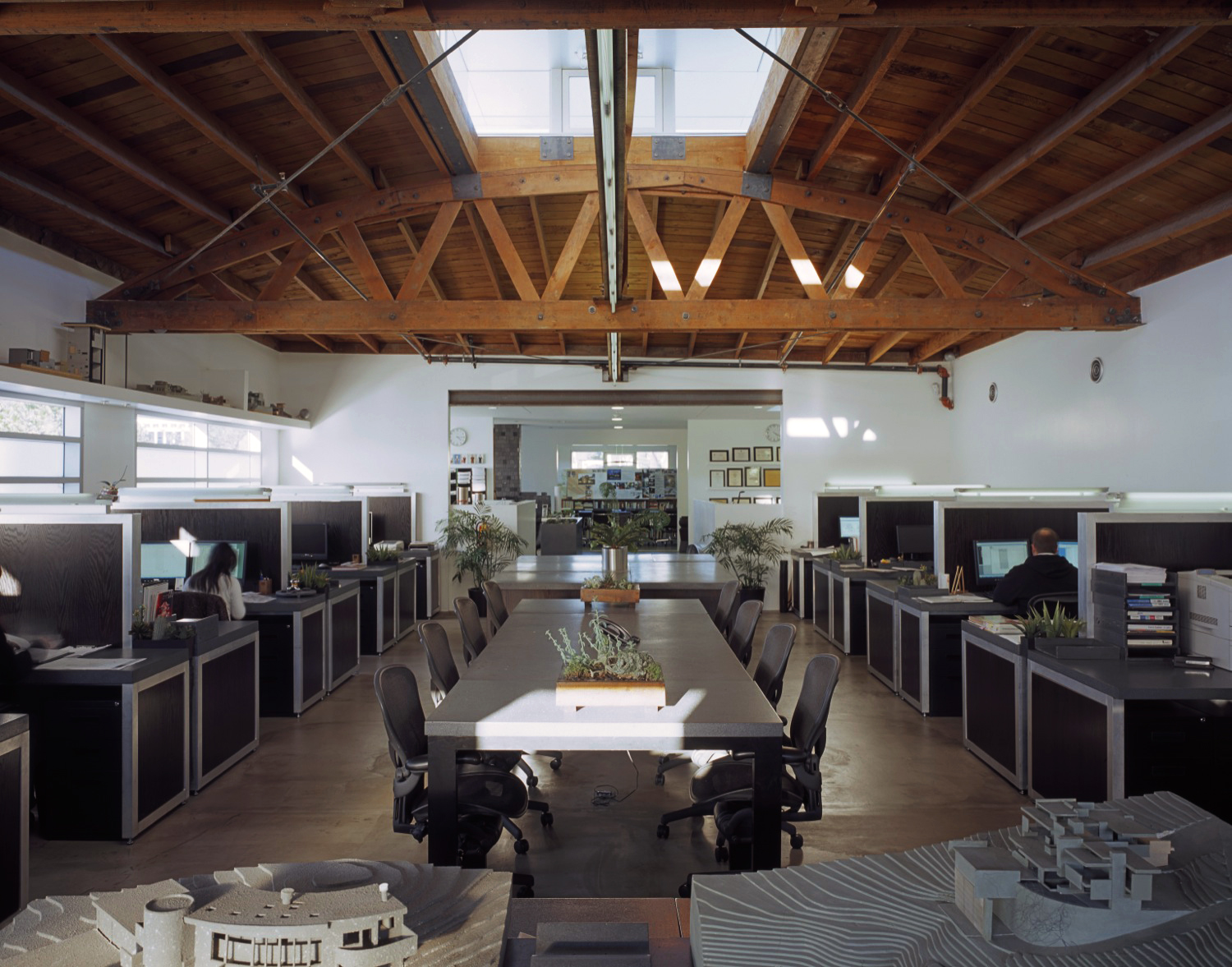 S.E.A.-Studio-Environmental-Architecture-David-Hertz-FAIA-1920-Olympic-Santa-Monica-adaptive-reuse-sustainable-regenerative-restorative-green-design-warehouse-truss-upcycle-recycle-creative-office-commercial-building-life-cycle-LEED-platinum-6.jpg