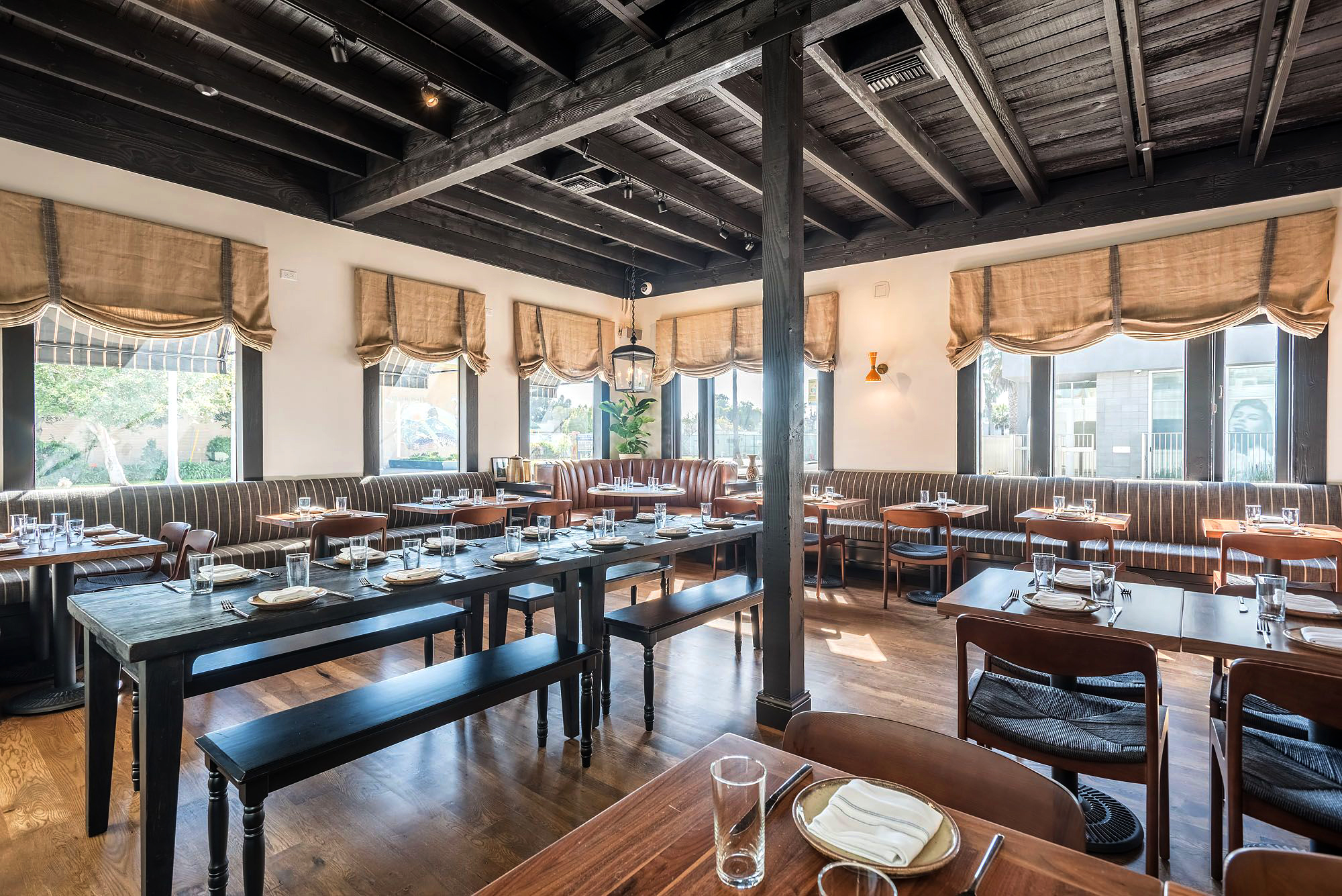 S.E.A.-Studio-Environmental-Architecture-David-Hertz-FAIA-Abbot-Kinney-Restaurant-Venice-Beach-adaptive-reuse-sustainable-regenerative-restorative-design-pedestrian-walkable-urbanism-local-community-context-modern-destination-cuisine-remodel-interior.jpg