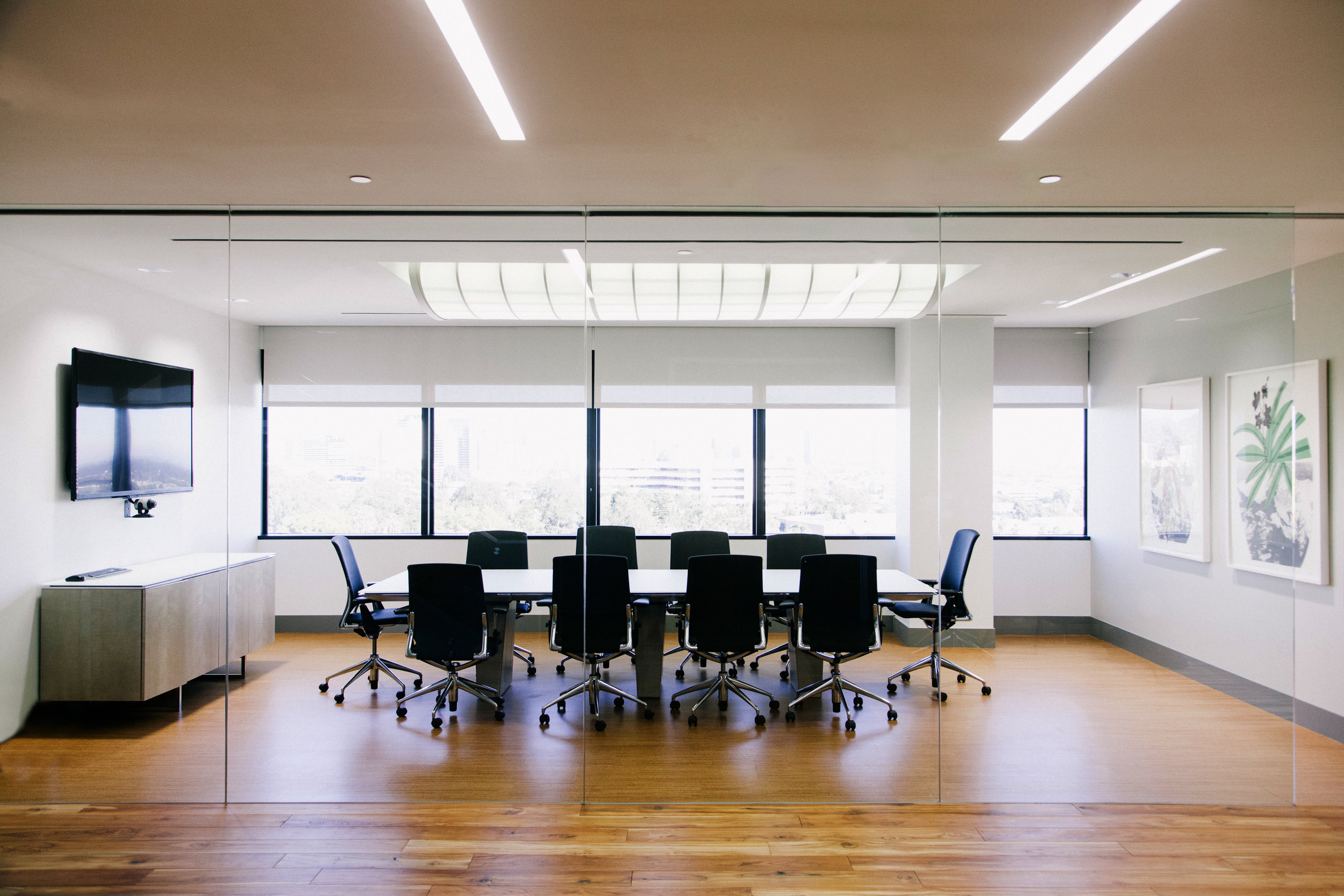 S.E.A.-Studio-Environmental-Architecture-David-Hertz-FAIA-First-Pacific-Advisors-Los-Angeles-tenant-improvement-sustainable-regenerative-restorative-green-design-office-sleek-modern-interior-Westside-commercial-building-professional-workplace-4.jpg