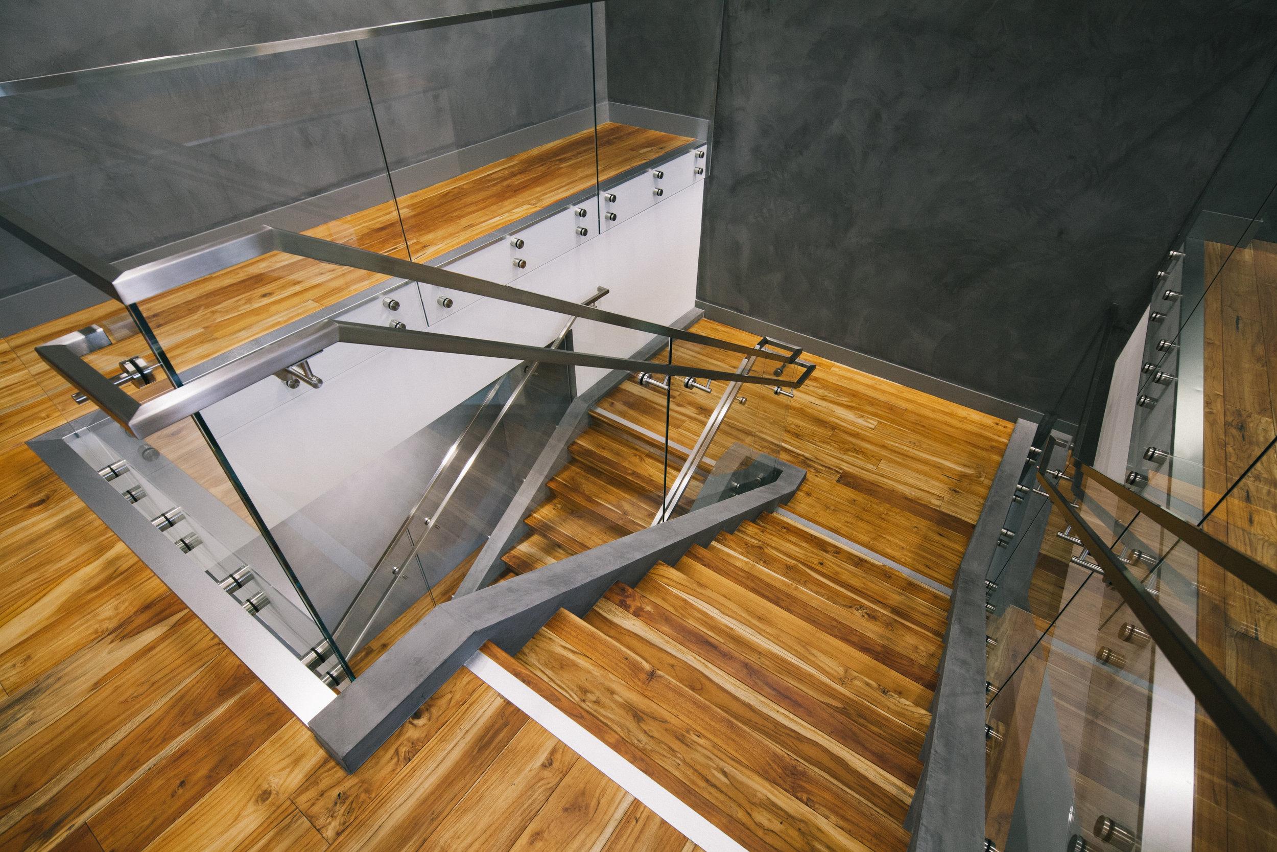 S.E.A.-Studio-Environmental-Architecture-David-Hertz-FAIA-First-Pacific-Advisors-Los-Angeles-tenant-improvement-sustainable-regenerative-restorative-green-design-office-sleek-modern-interior-Westside-commercial-building-professional-workplace-10.jpg