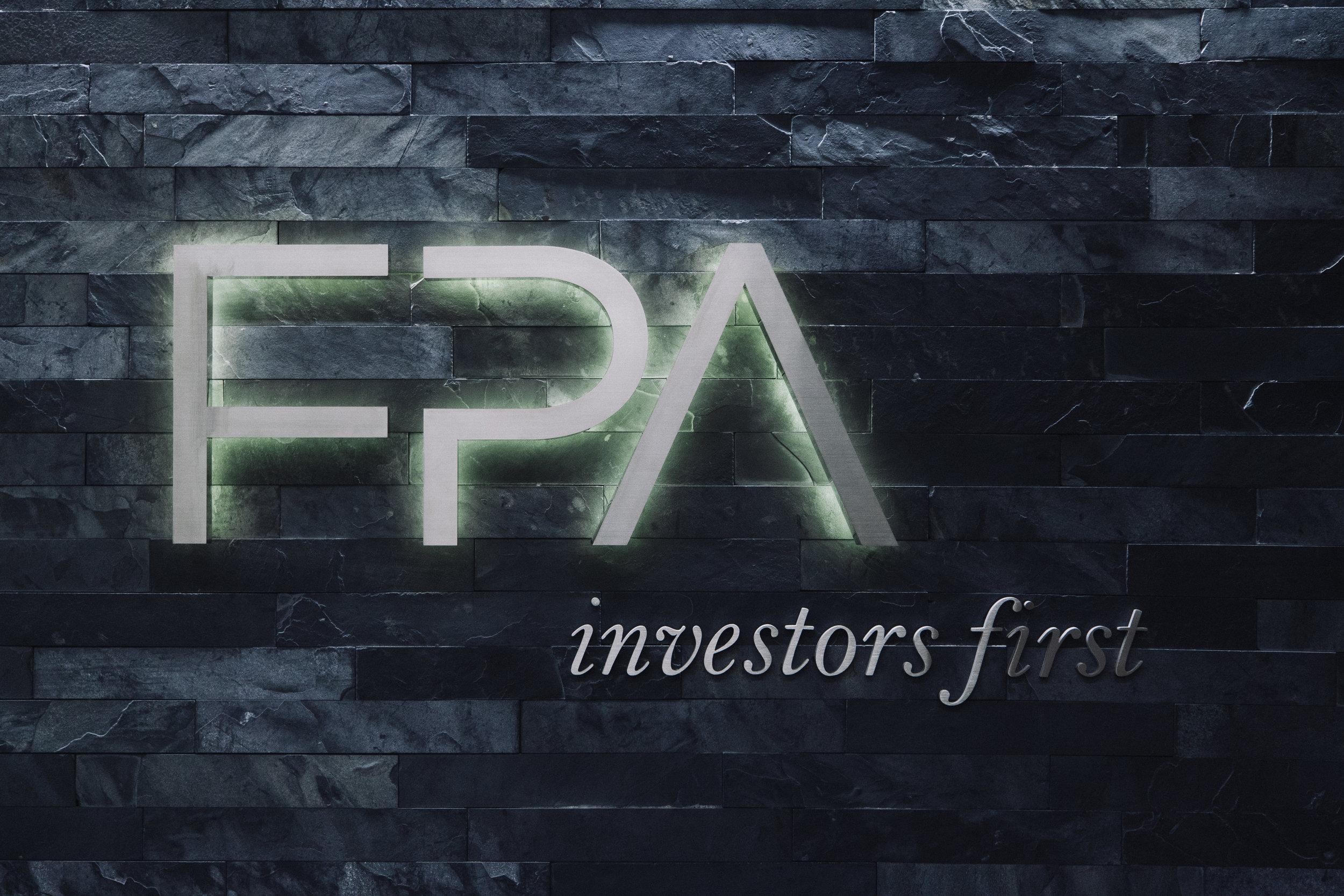 S.E.A.-Studio-Environmental-Architecture-David-Hertz-FAIA-First-Pacific-Advisors-Los-Angeles-tenant-improvement-sustainable-regenerative-restorative-green-design-office-sleek-modern-interior-Westside-commercial-building-professional-workplace-15.jpg