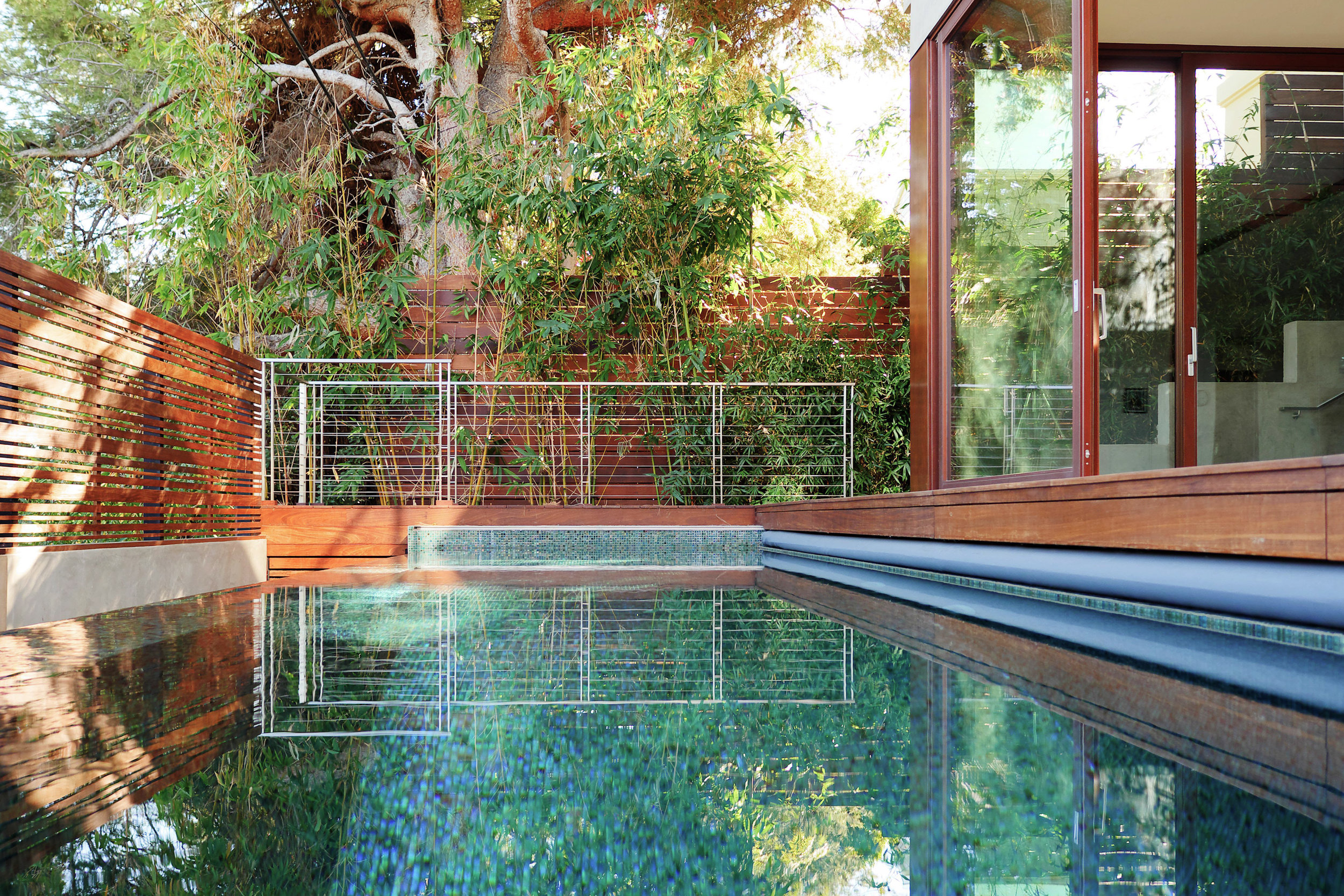 S.E.A.-Studio-Environmental-Architecture-David-Hertz-FAIA-El-Medio-House-Pacific-Palisades-sustainable-regenerative-restorative-design-residential-contemporary-modern-wood-concrete-patio-green-building-view-pool-tile-garden-westside-living-studioea-5.jpg