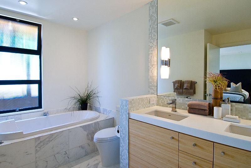 17 Lee House Bath.jpg