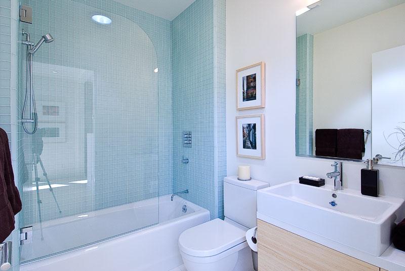 29 Lee House Bath.jpg