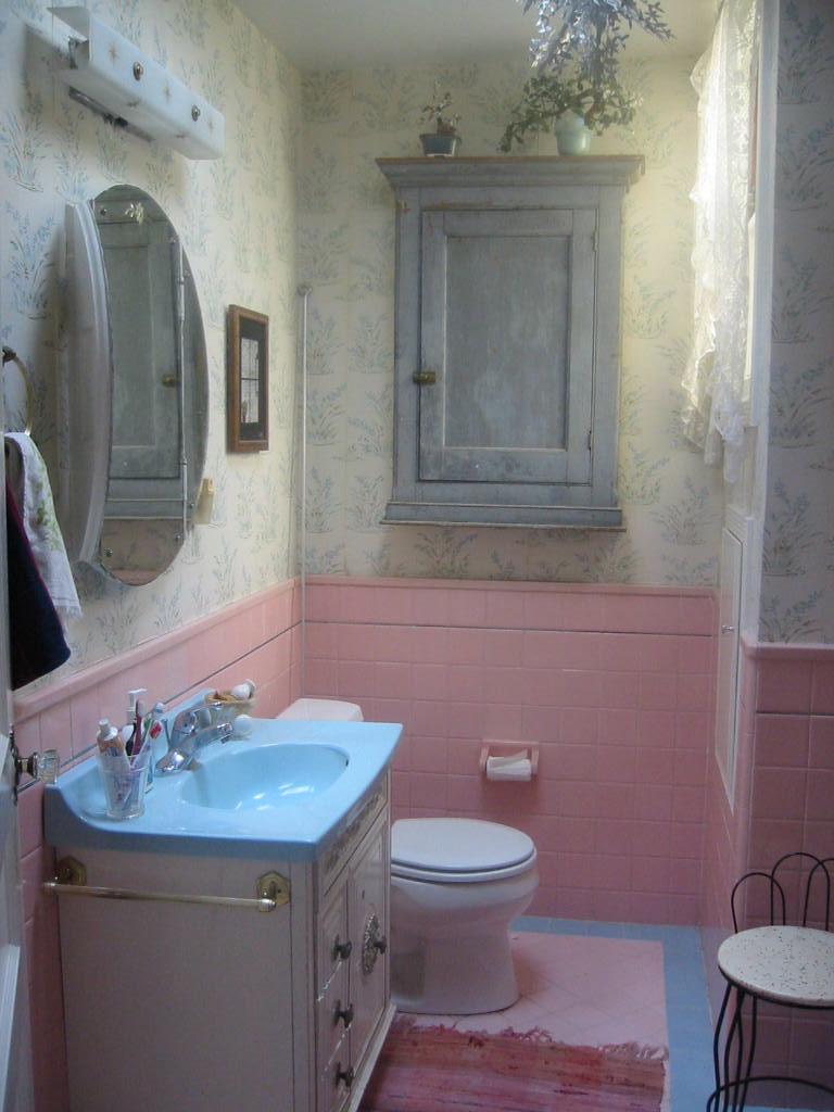 Lane BEFORE bathroom.JPG