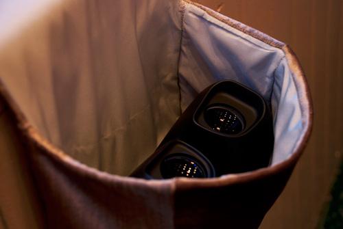 Stereoscopic viewer in velvet pouch