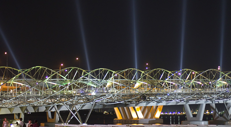 Helix Bridge Opens in Singapore