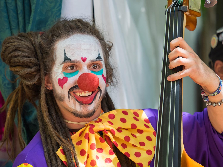 Clown Bassist-7120115.jpg
