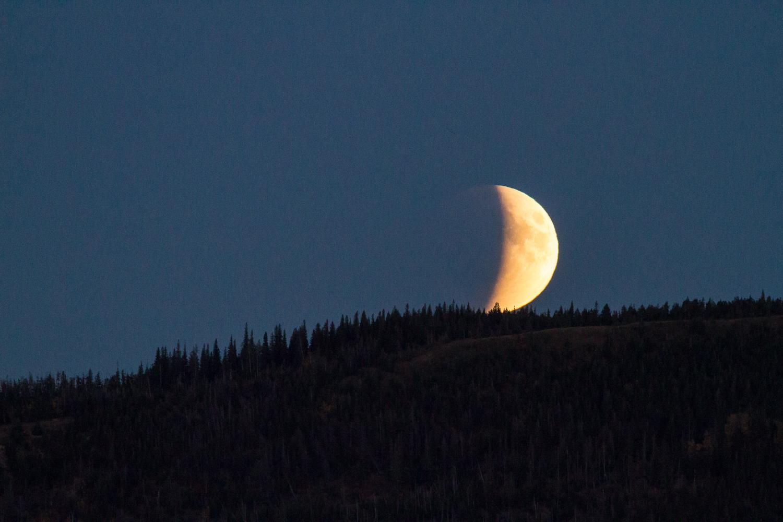 Lunar Eclipse Waterton-9291.jpg