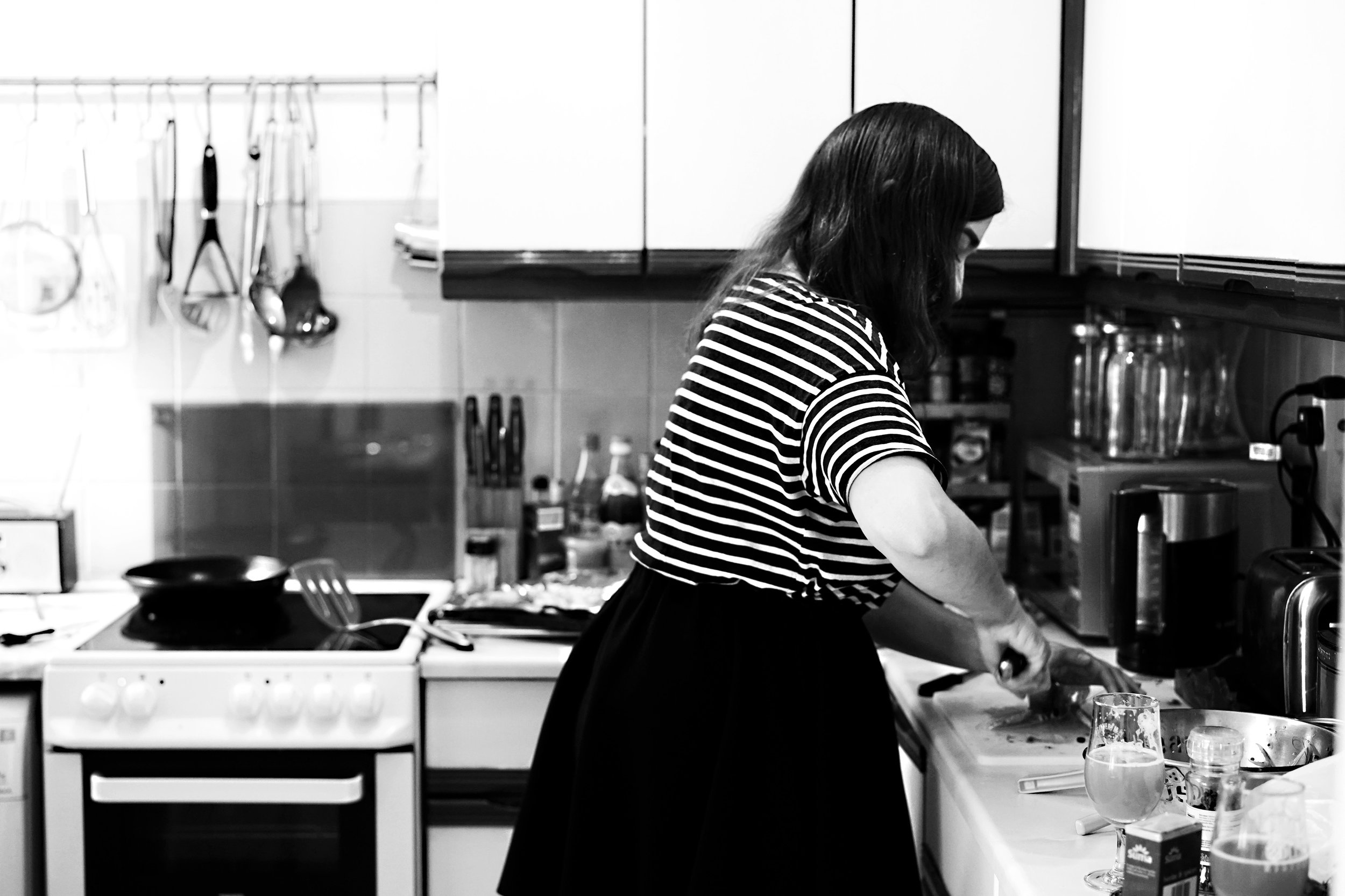 Claire in the Kitchen 01.jpg