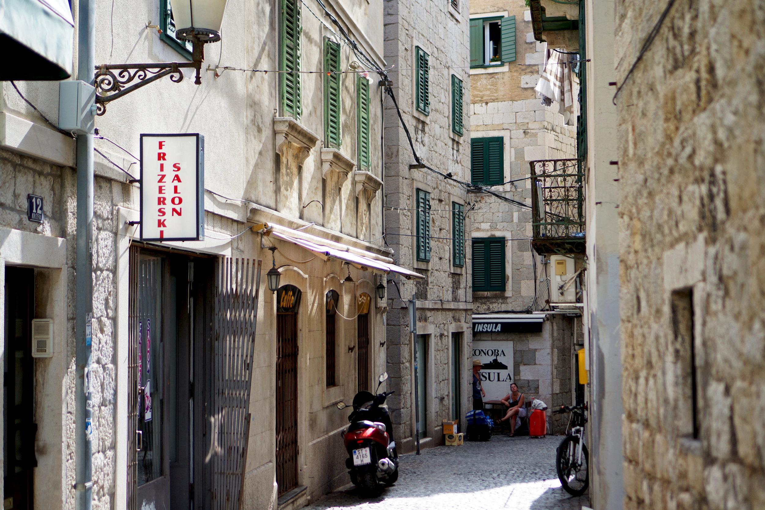 3.SplitStreet.jpg