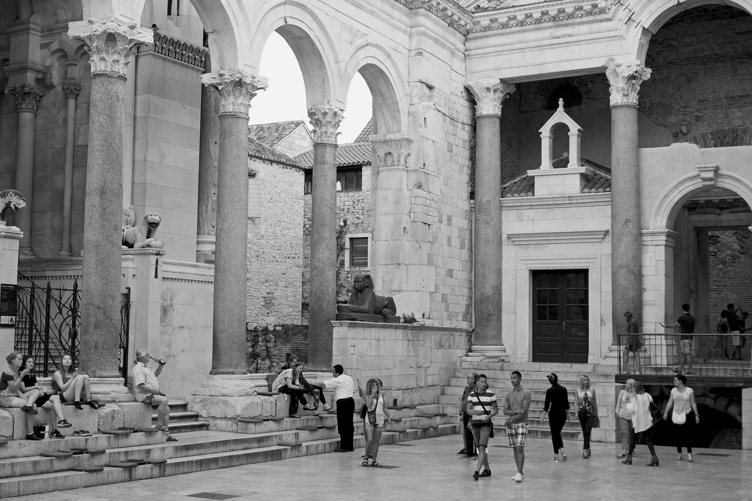 7.DiocletianB&W.jpg