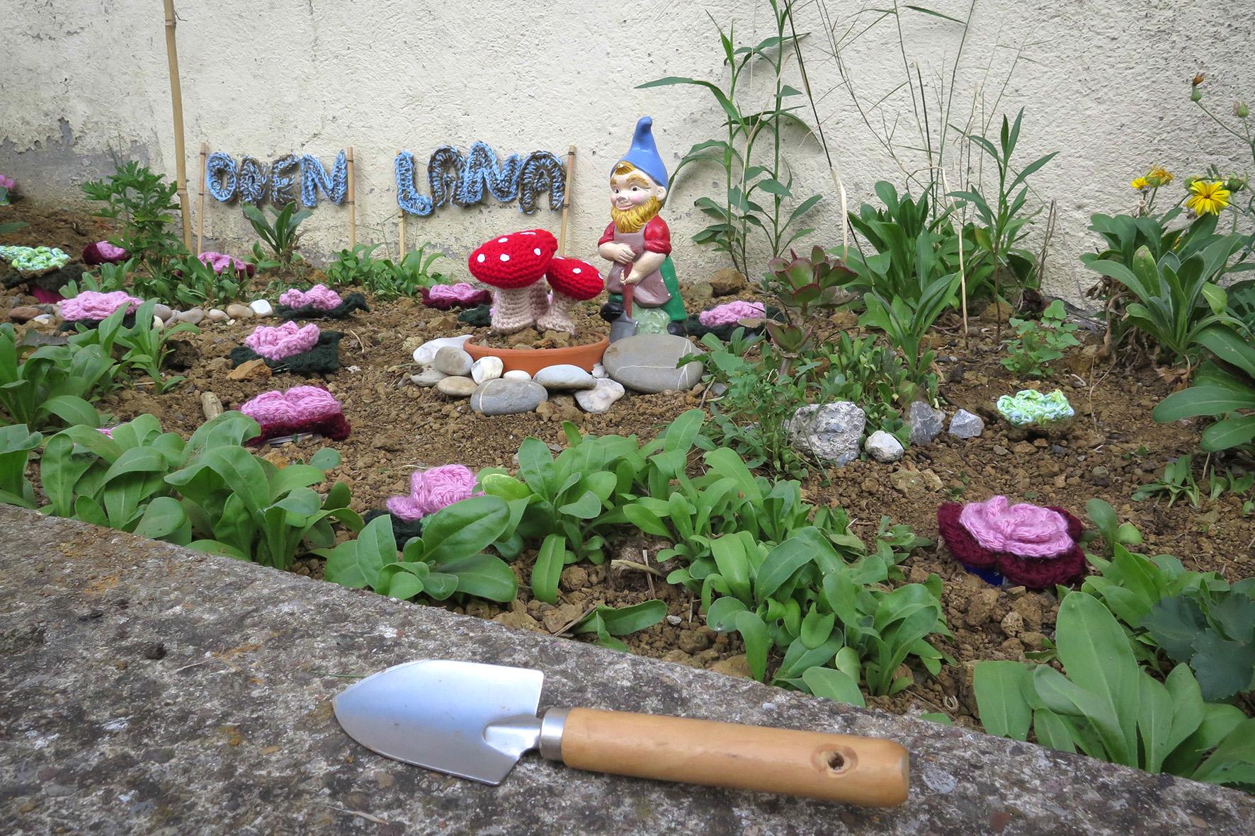 Yarnbombing. Jardín Crochet en Open Your Ganbara, Agosto2015