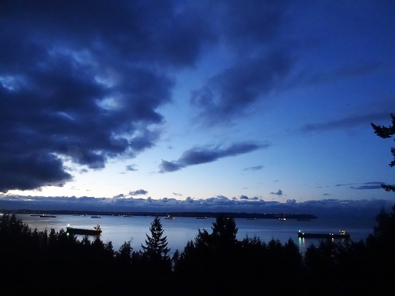 Christmas Dawn in Vancouver 2015