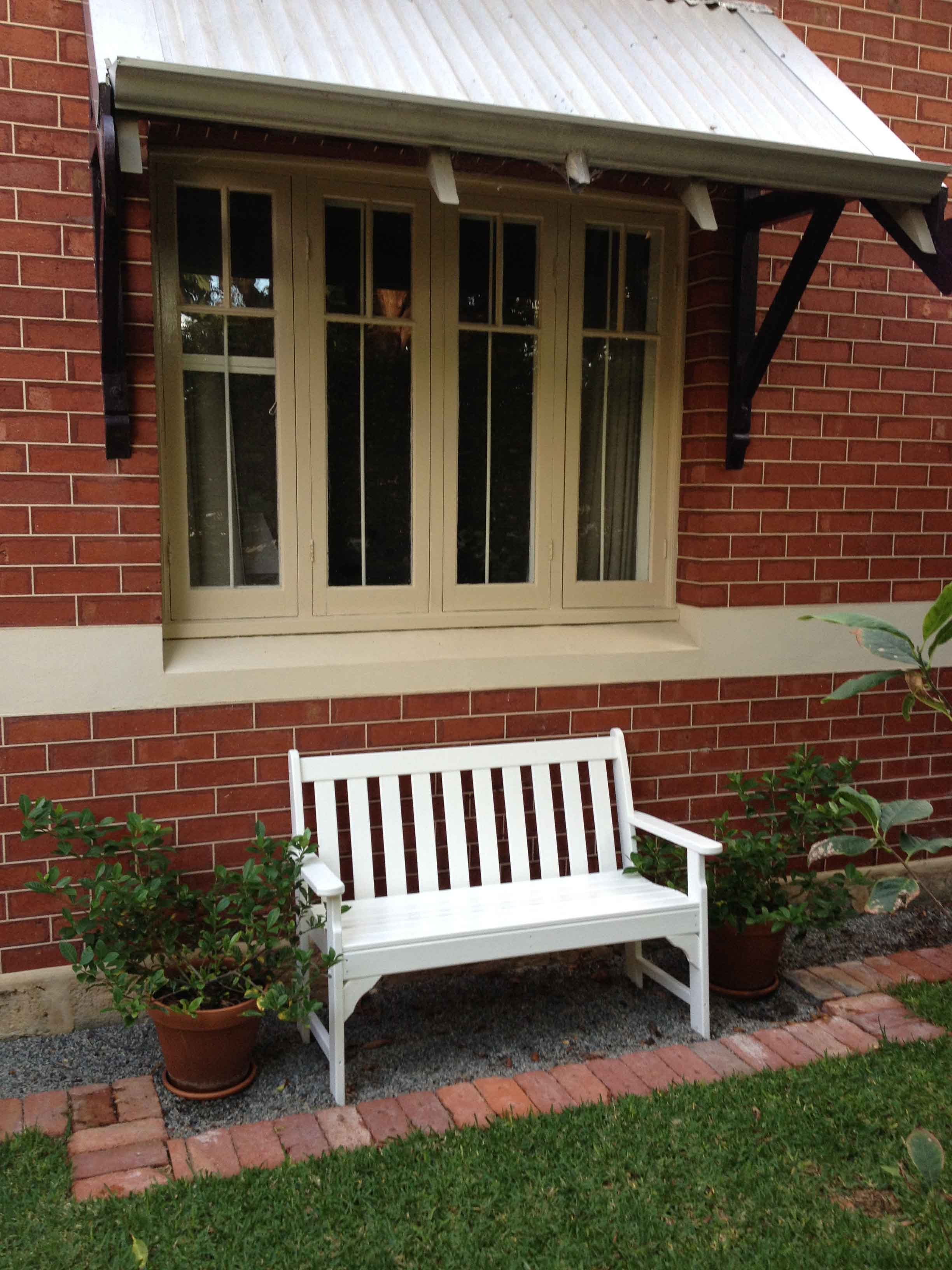 Vineyard bench 1.jpg