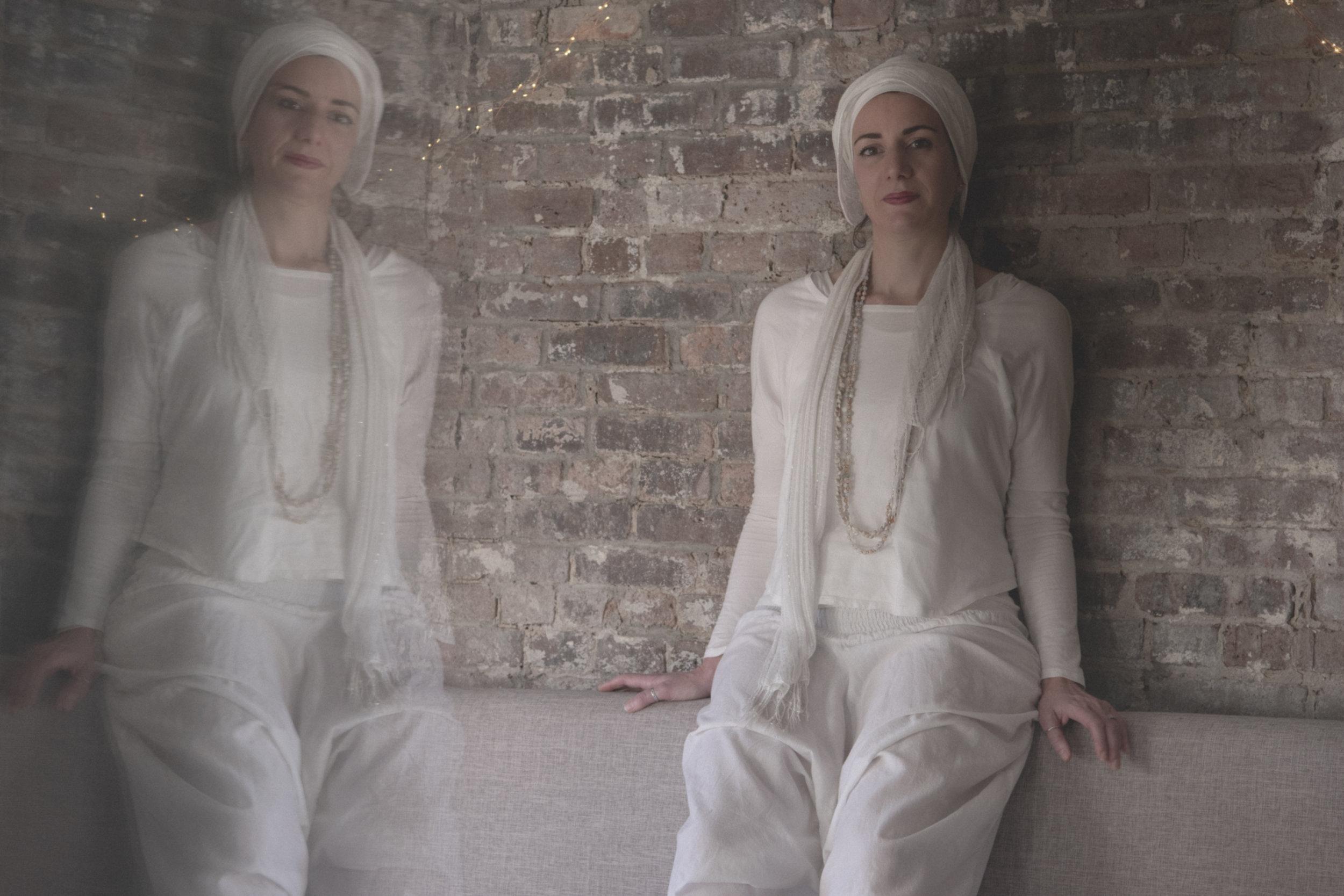 © Florence-Montmare-Photographer-Aurelie-Desmas-Kundalini-Yoga-Yogi-New-York-2018-Double-Portrait-Highres.jpg