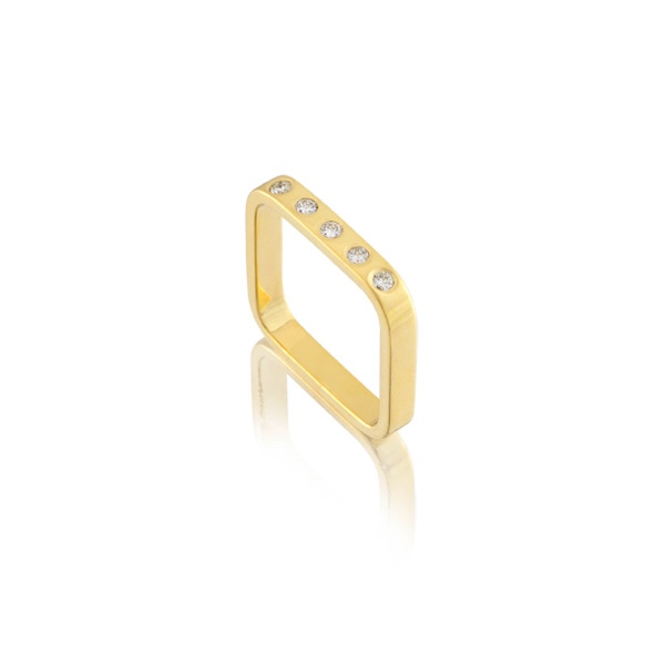 18k Square Ring with Diamonds