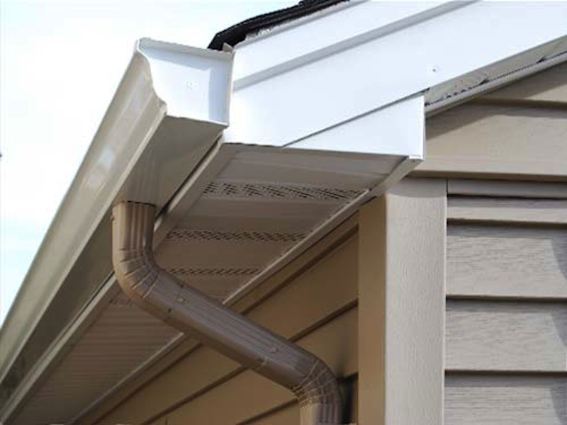 vinyl-siding-gutters-soffits-fascia-detail.jpg