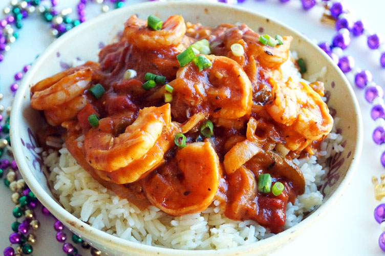 Paleo & Gluten-free Shrimp Creole (with cassava flour roux) // TheCuriousCoconut.com