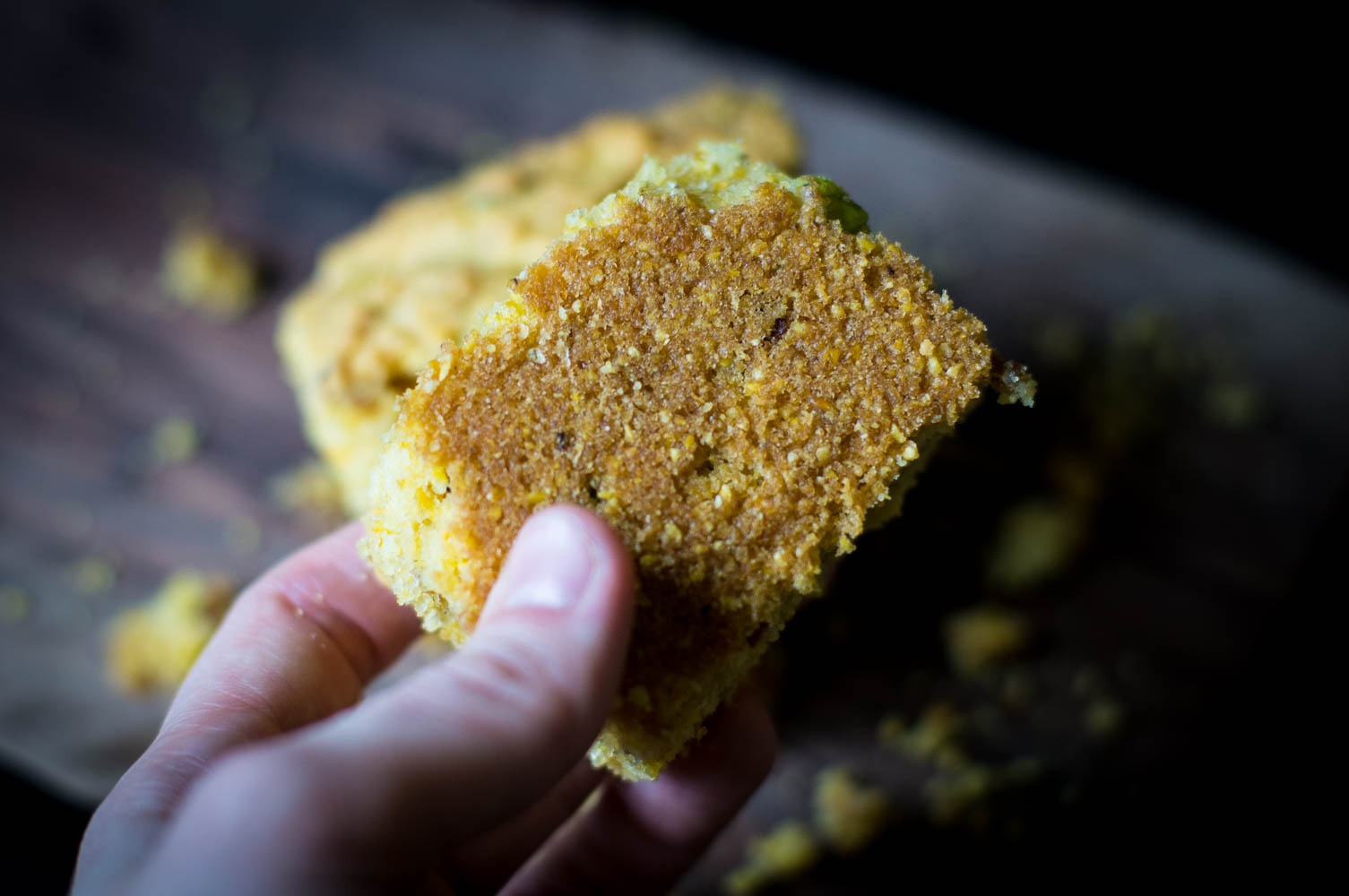 Look at that beautiful crispy brown crust on the bottom of the cornbread!