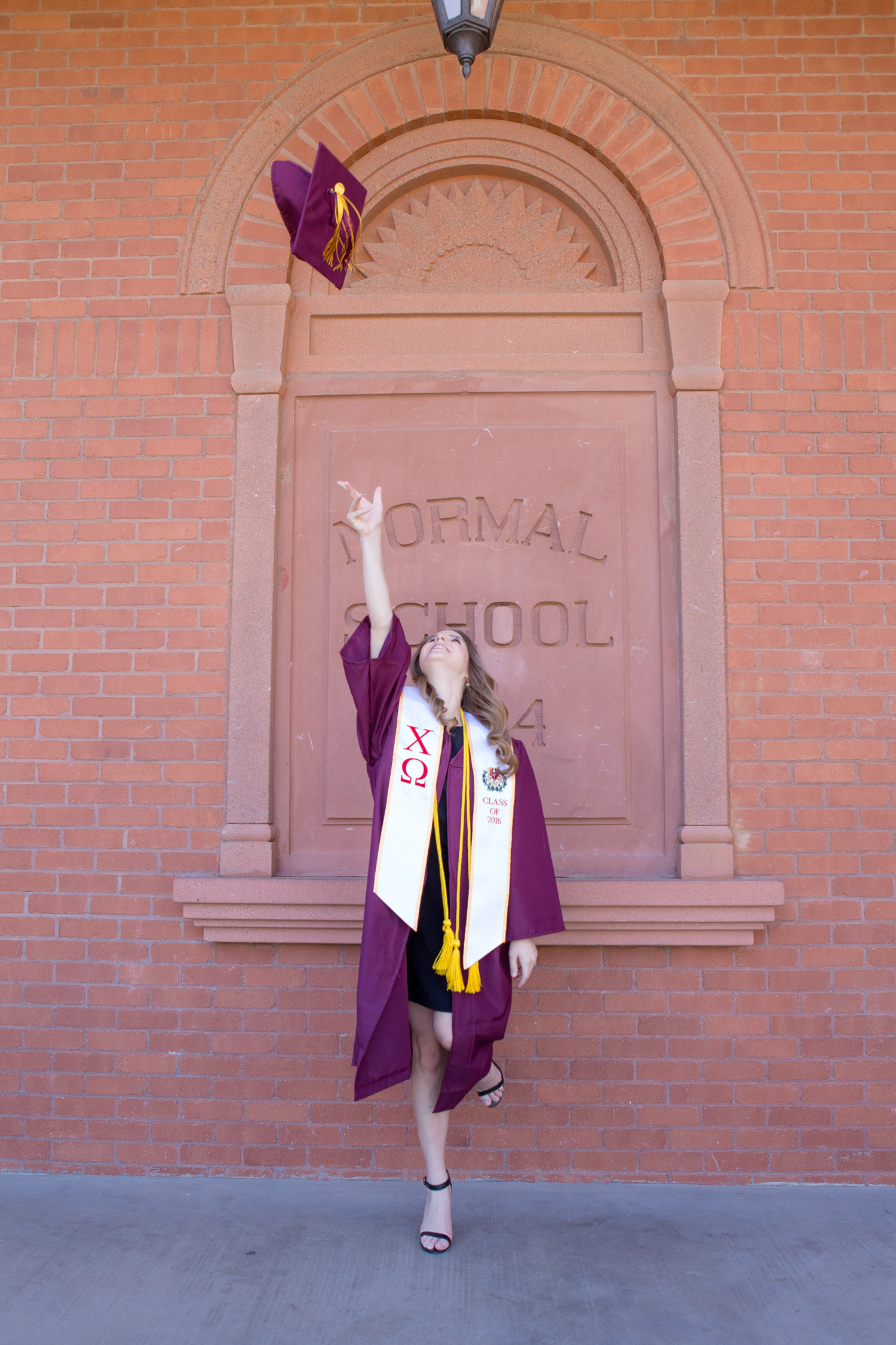 StephanieHendrixson_GraduationPortrait_76.jpg
