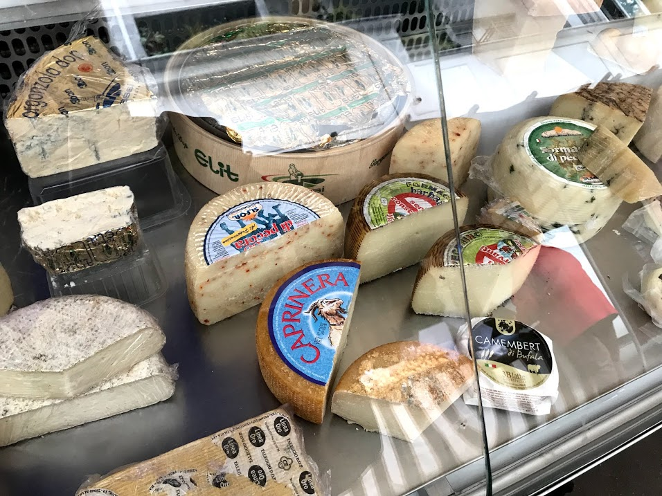 Cheese at the Butte-aux-Cailles market.jpg