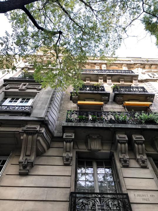 Butte aux Caille architecture in Paris.jpg