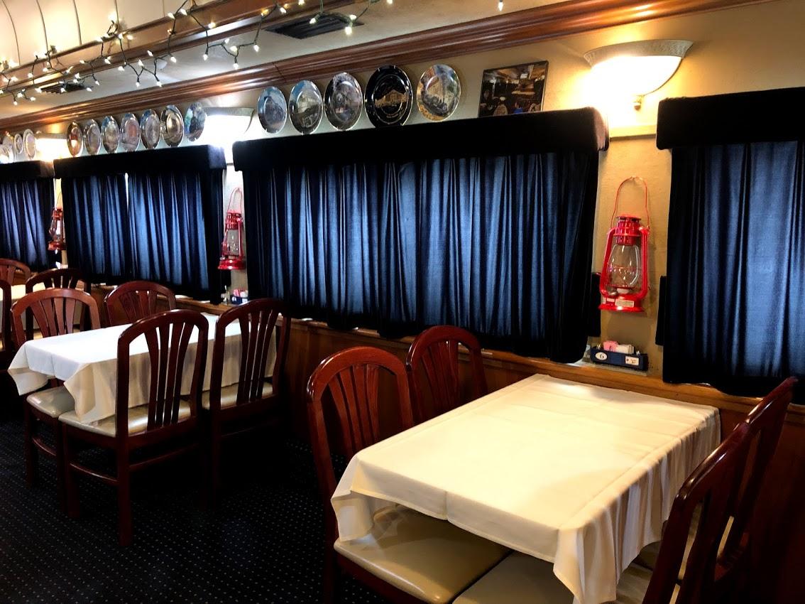 Bobs_Train_Dining_Room.jpg