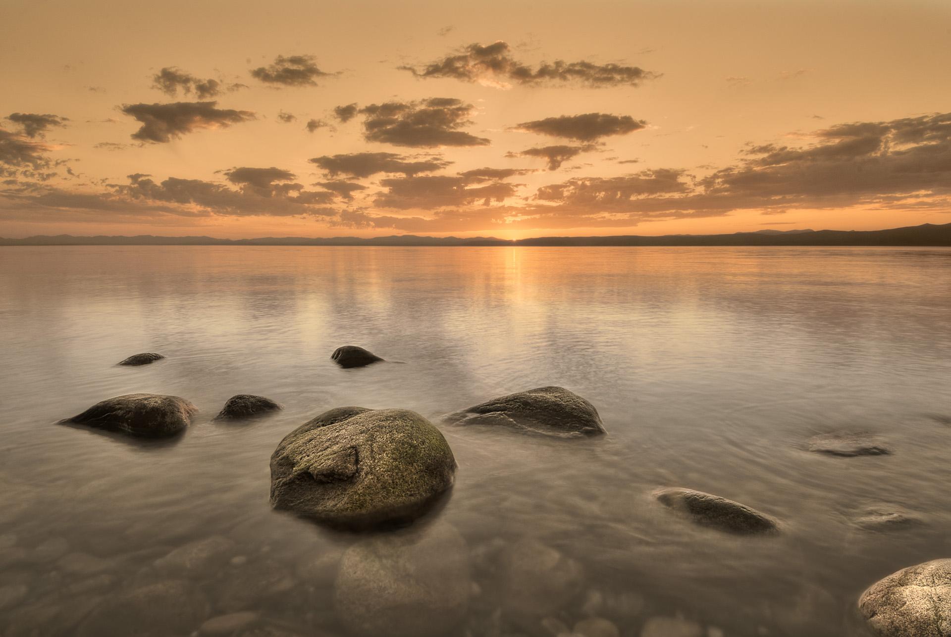 Západ slunce u mysu Birakan
