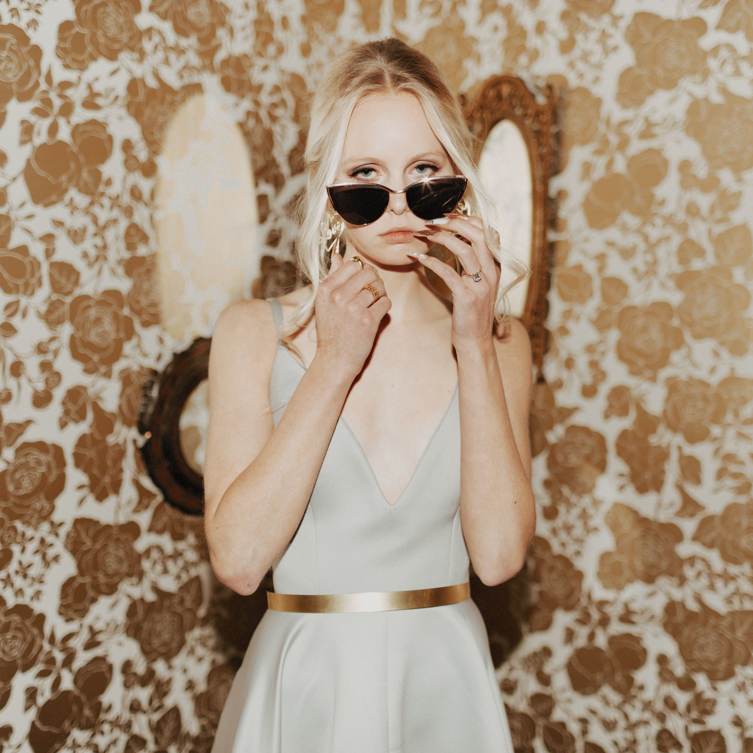 the cool bride330.jpg