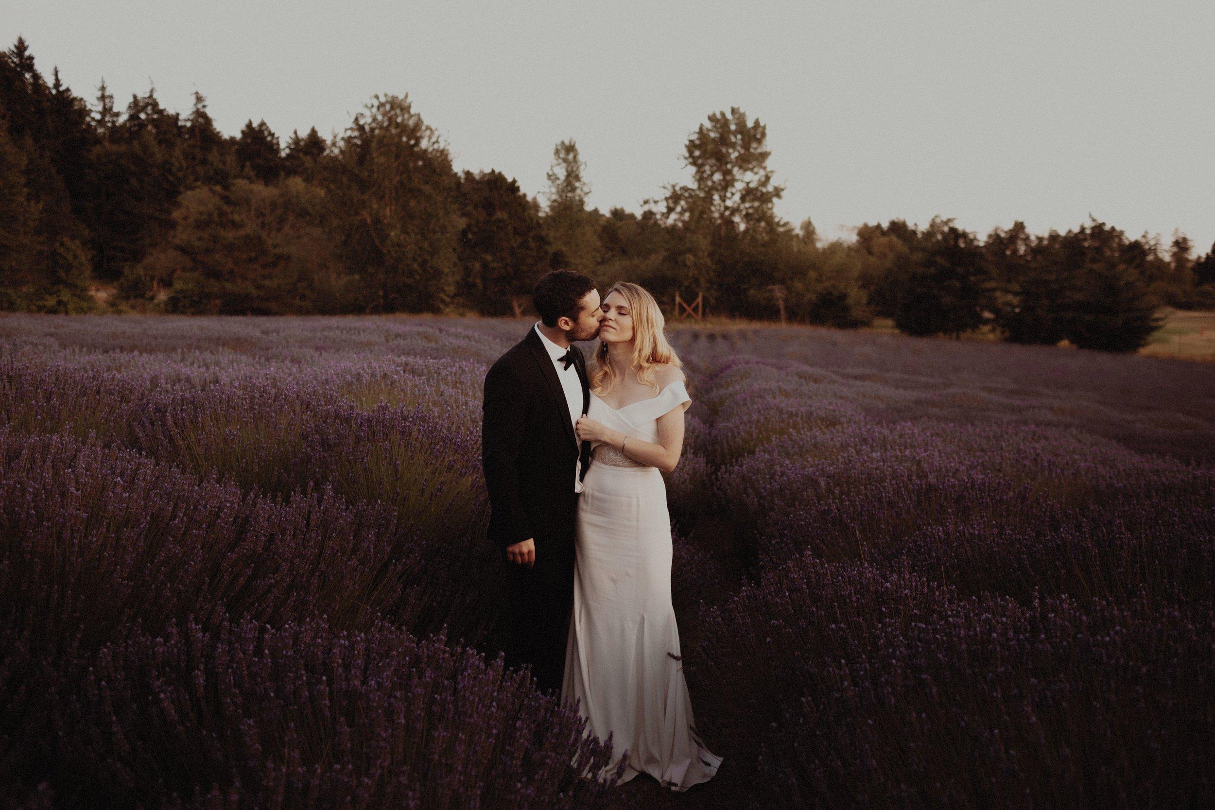 L and J Wedding.Lauren Apel Photo977.JPG