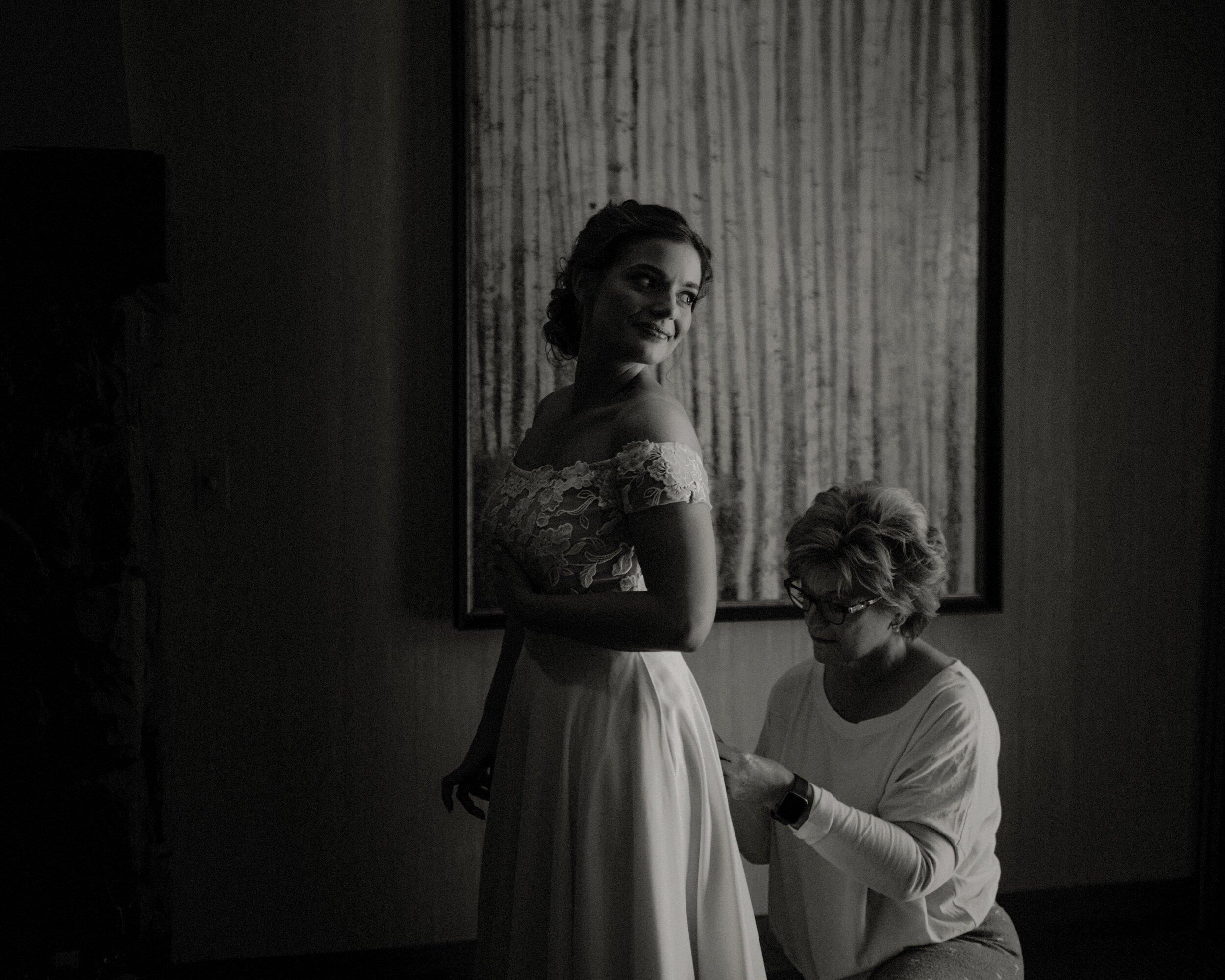 J and M Wed in Sunriver.Lauren Apel Photo104.jpg